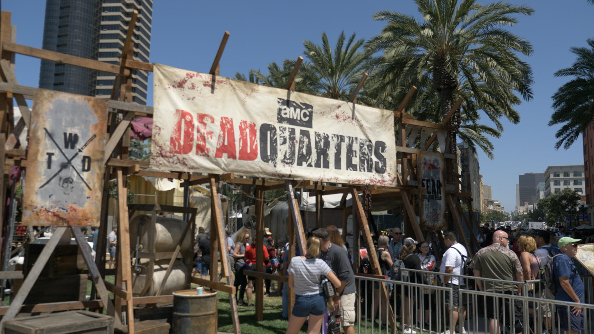 Video: Surviving the zombie apocalypse at the Walking Dead experience
