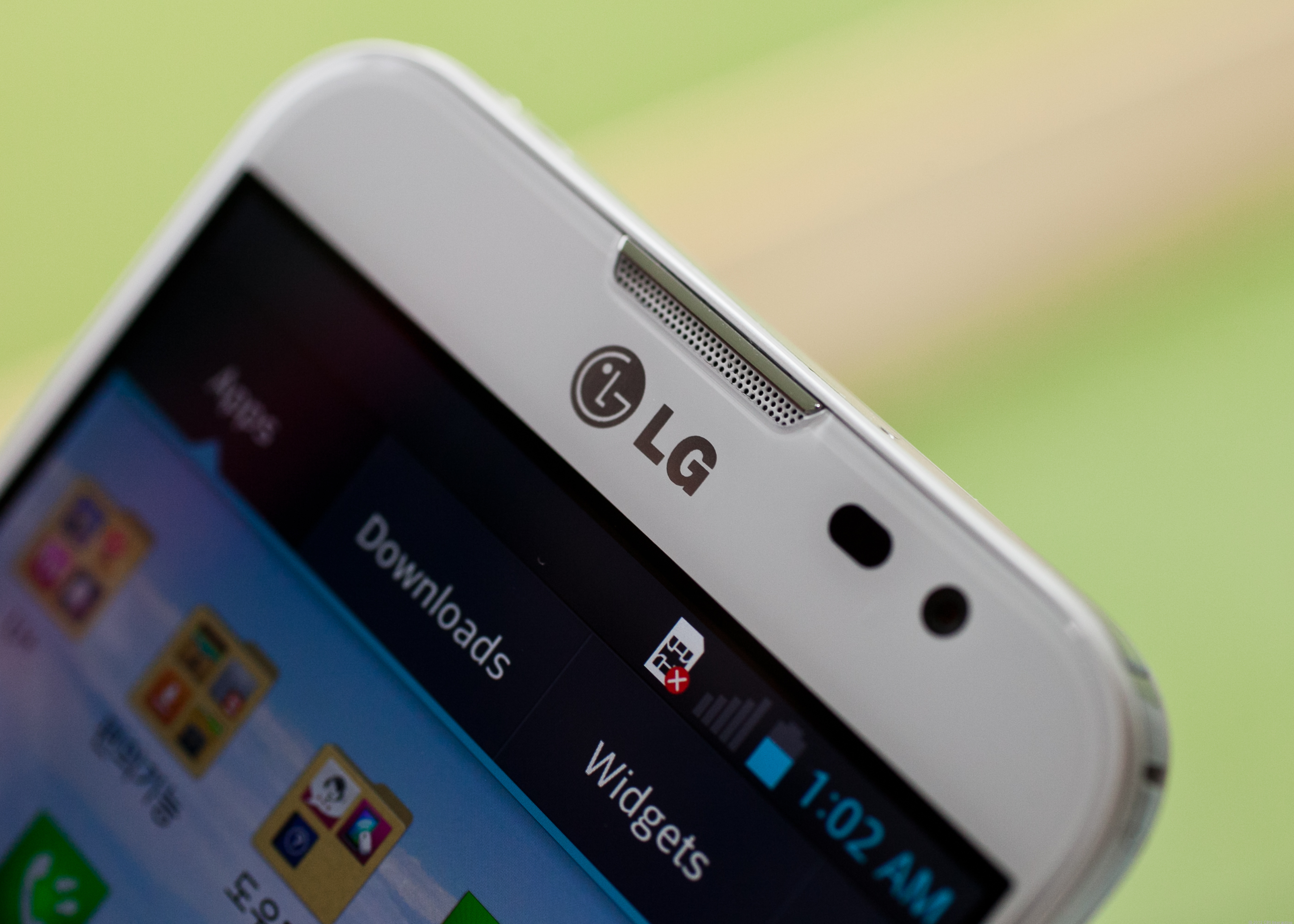 2.1-megapixel shooter in the front