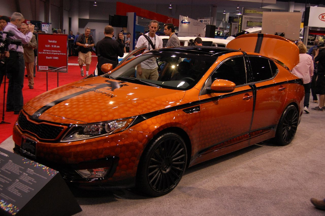 Kia/West Coast Customs Blake Griffin custom Optima Hybrid