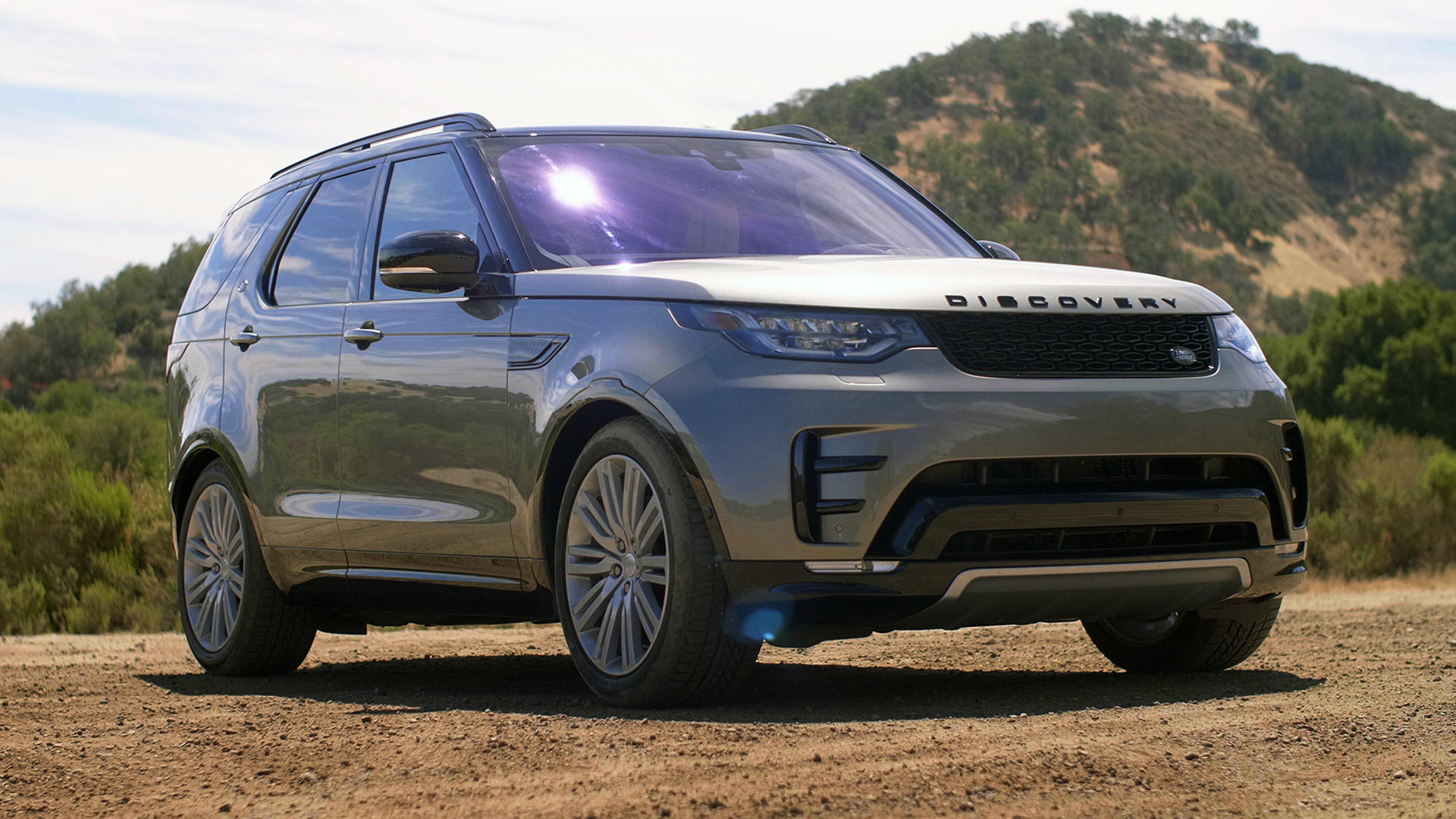 Video: 2018 Land Rover Discovery: Can it climb Truck Hill?