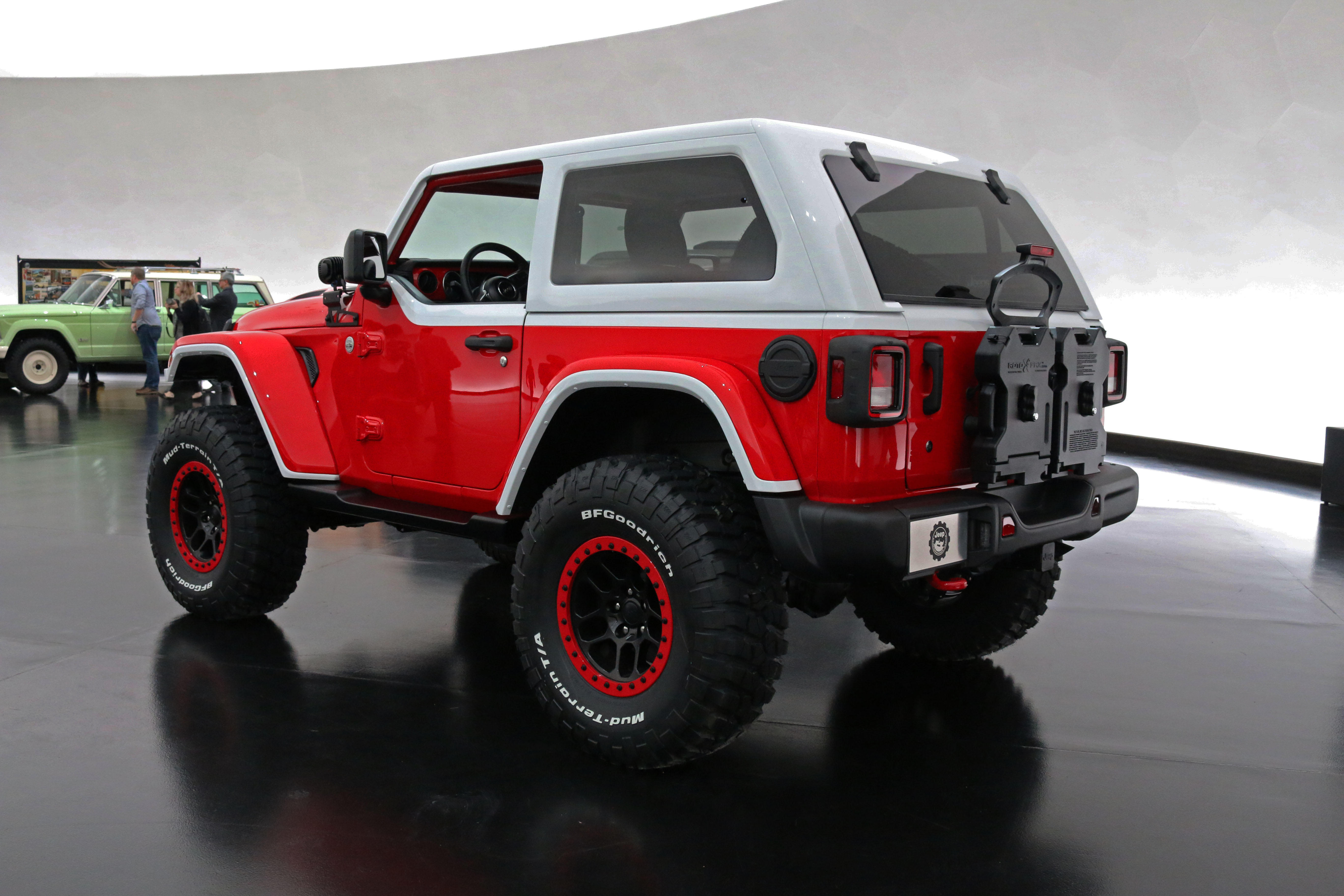 jeep-jeepster-concept-38