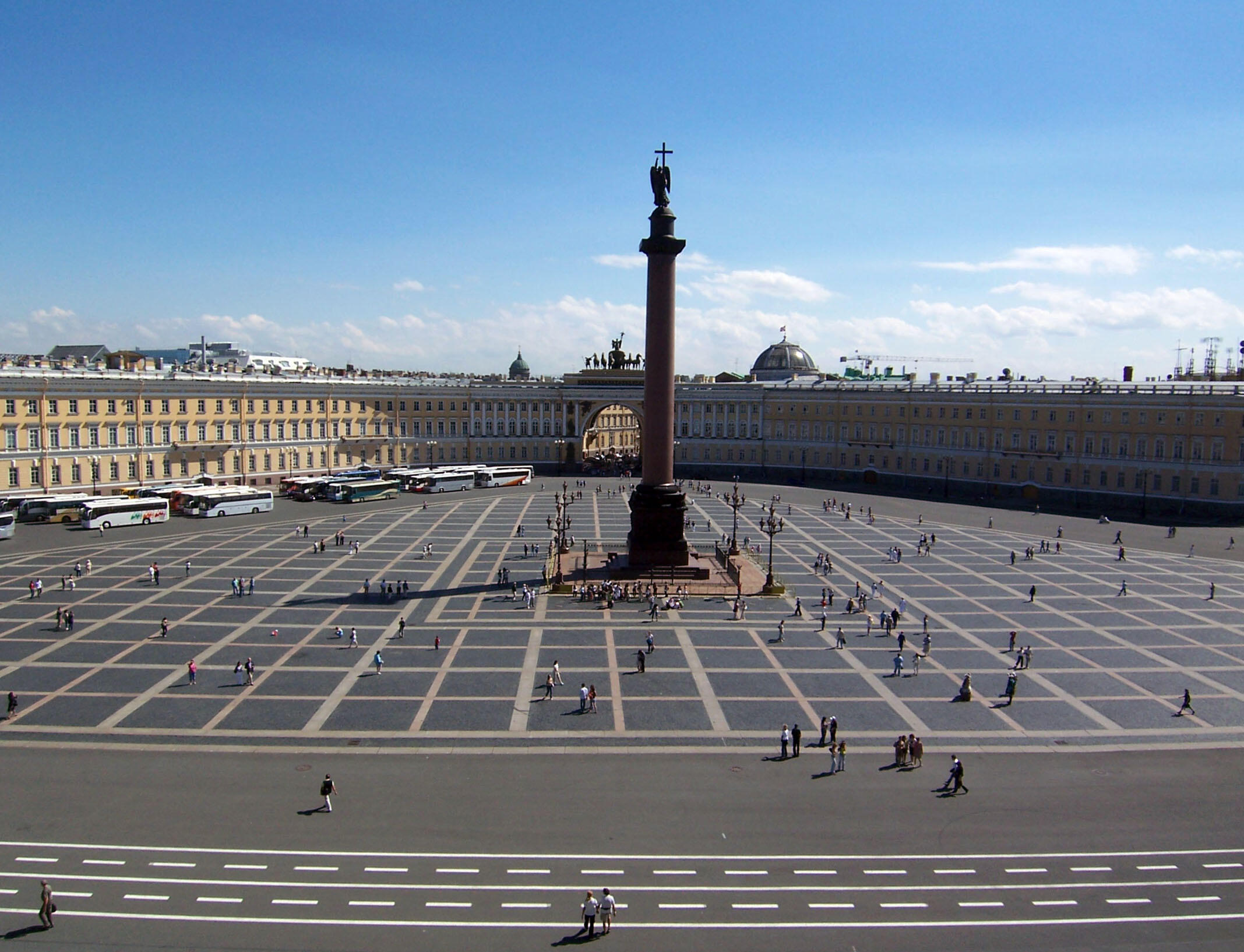 st-petersburg-palace-square
