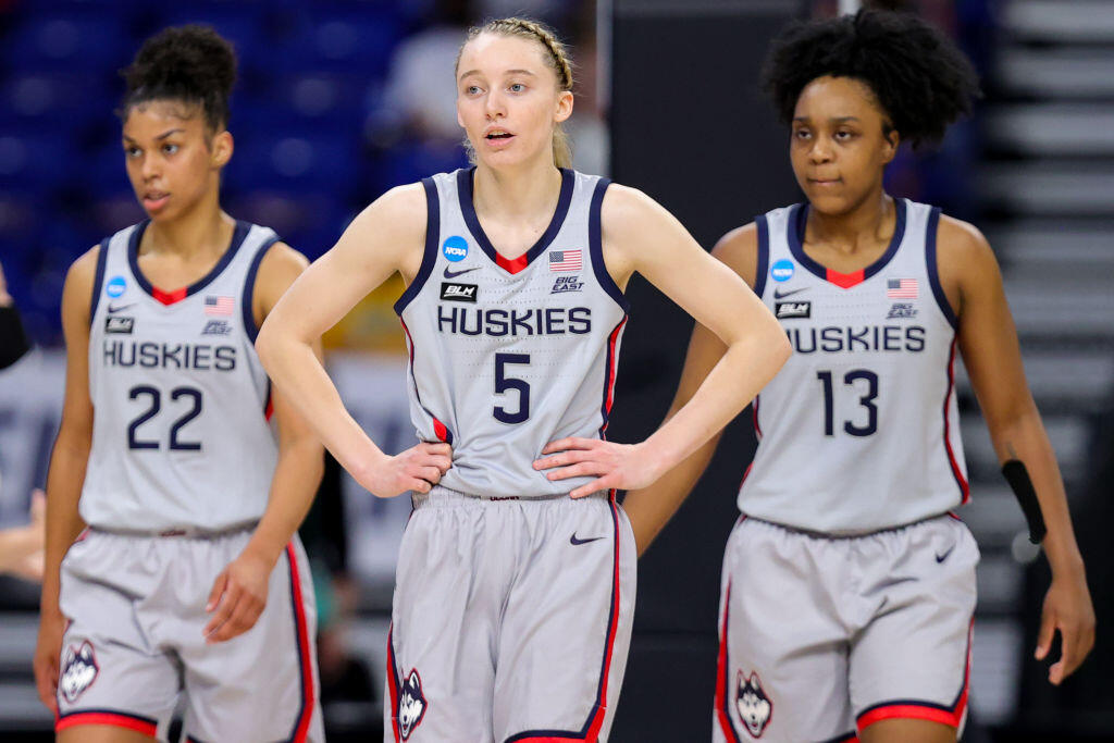 <p>Women's Final Four: How to See South Carolina vs. Stanford, UConn vs. Arizona without cable thumbnail