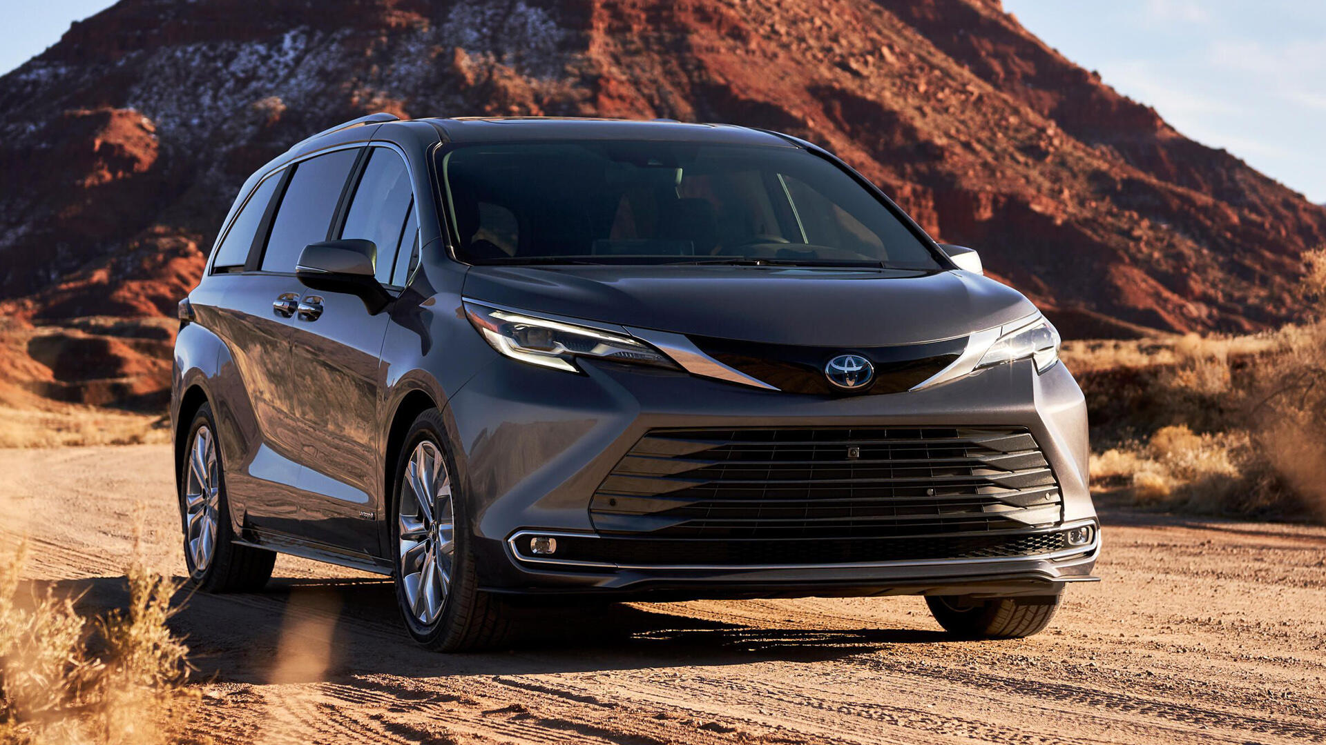 Video: The 2021 Toyota Sienna proves that minivans are cool