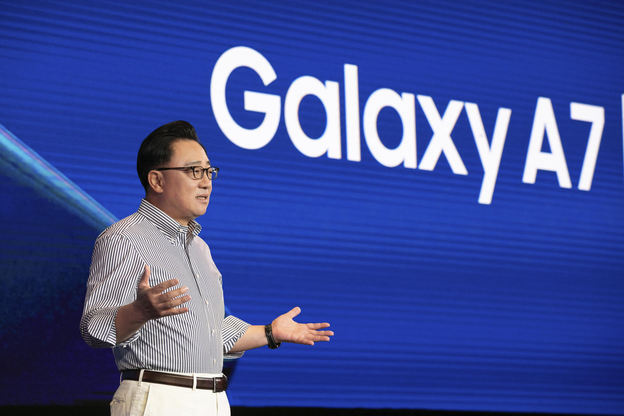 Samsung Mobile CEO D.J. Koh speaking at the Samsung Galaxy A7 and A9 global launch.