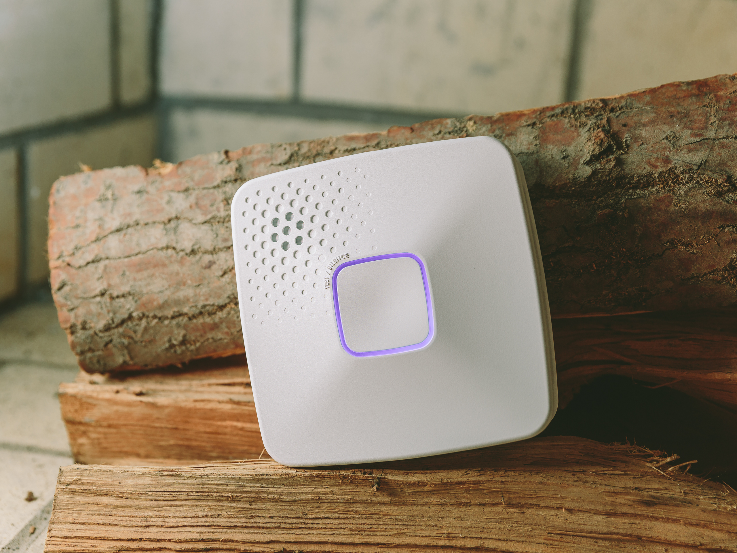 onelink-by-first-alert-wi-fi-and-co-alarm-product-photos-1.jpg