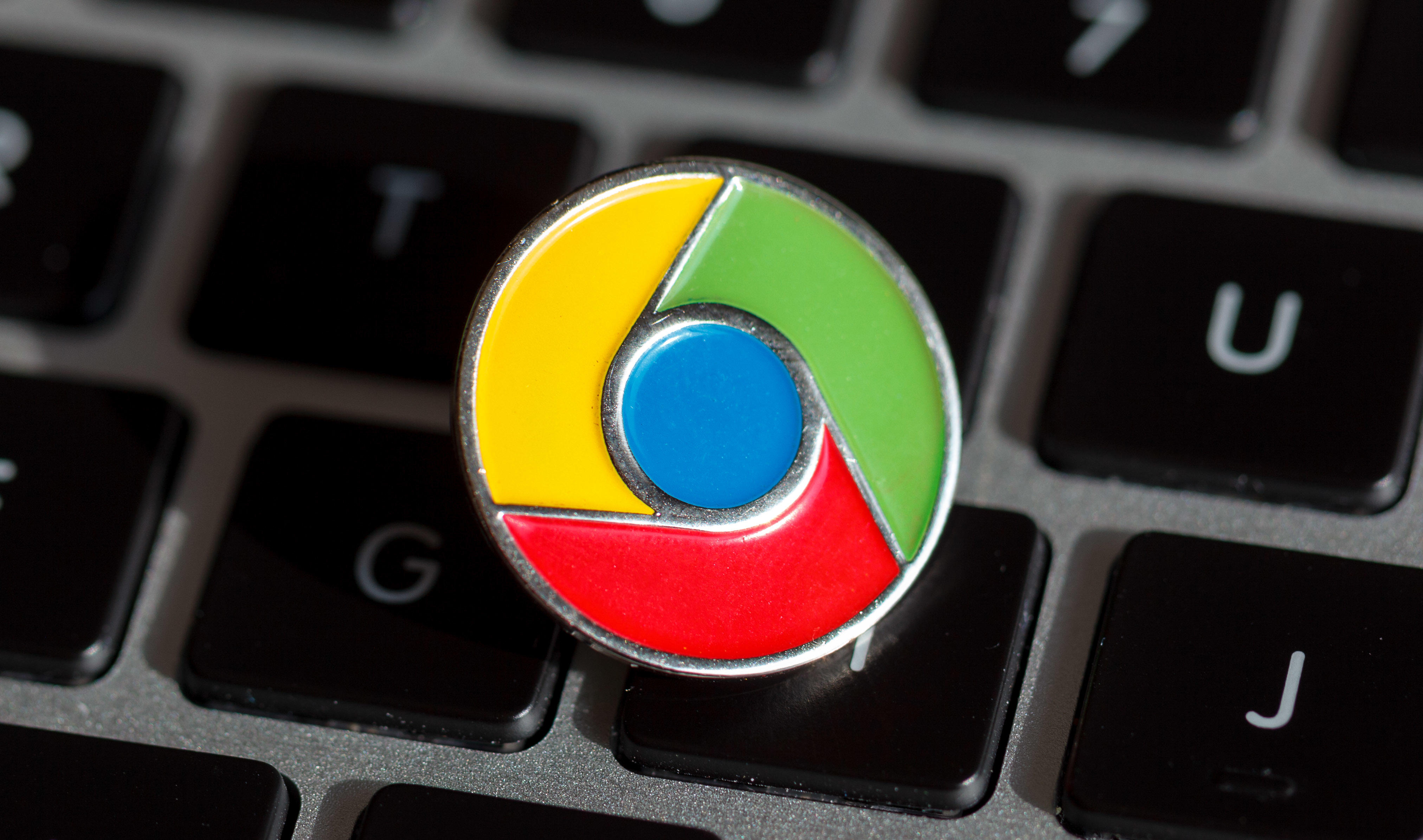 A Google Chrome lapel pin