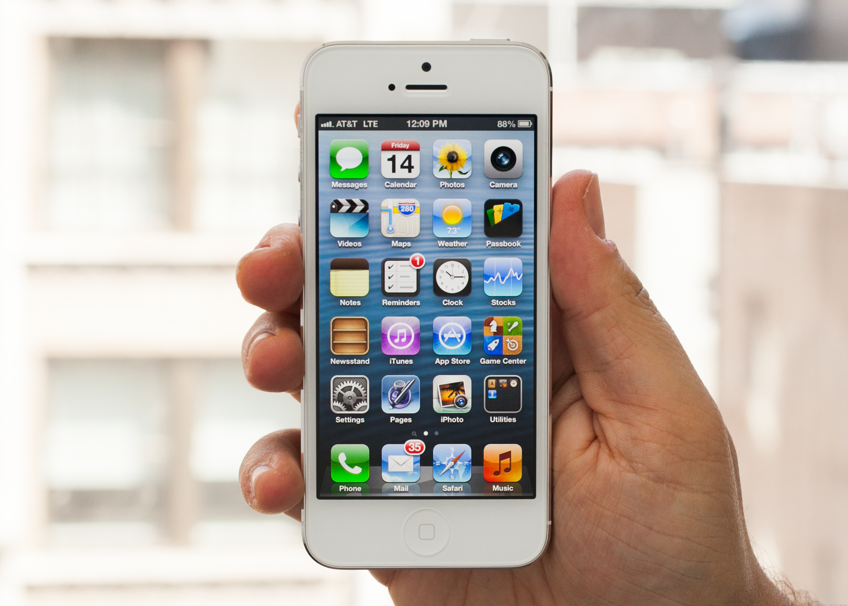 Apple iPhone 5 (16GB, White)