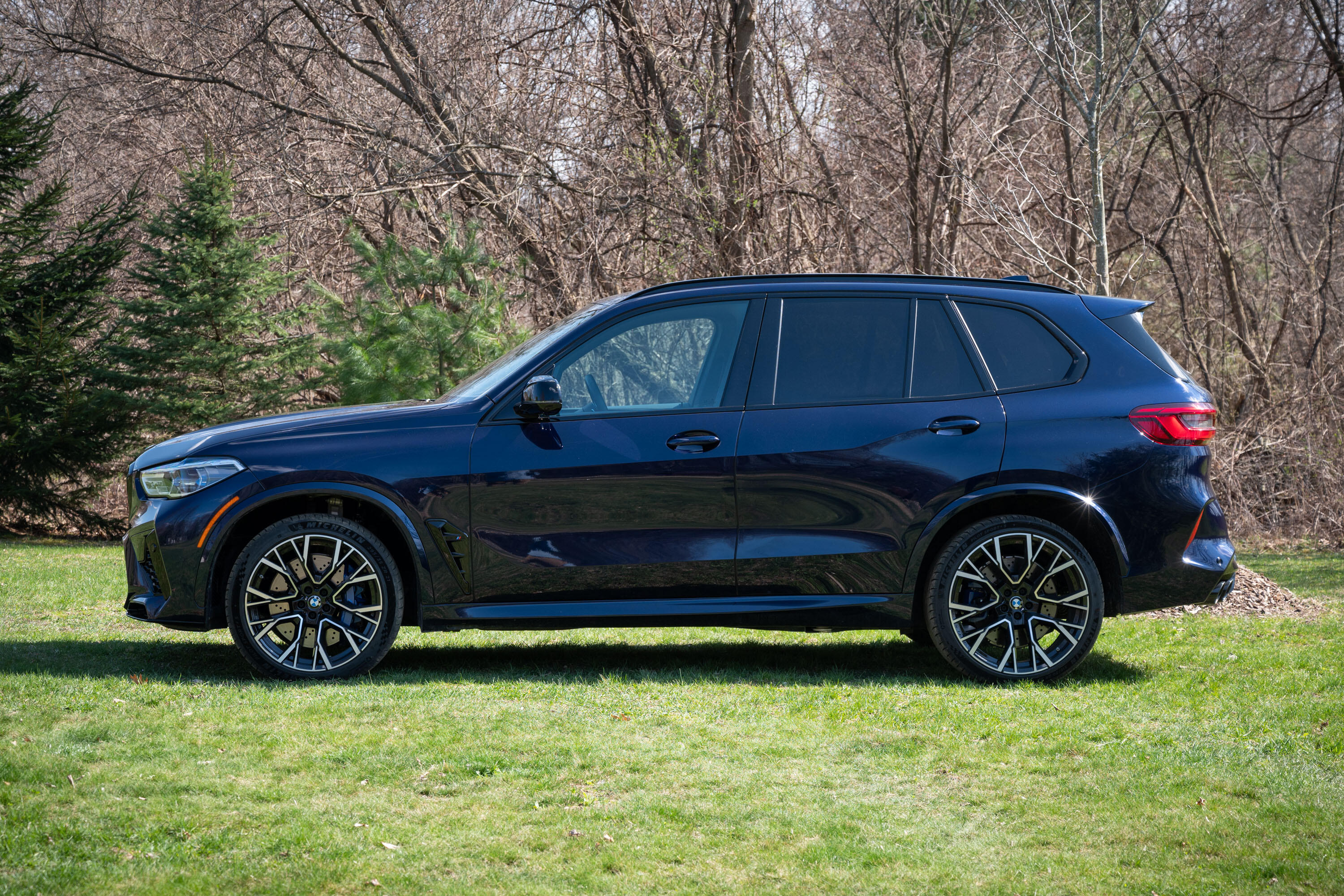 2020-bmw-x5-m-competition-03
