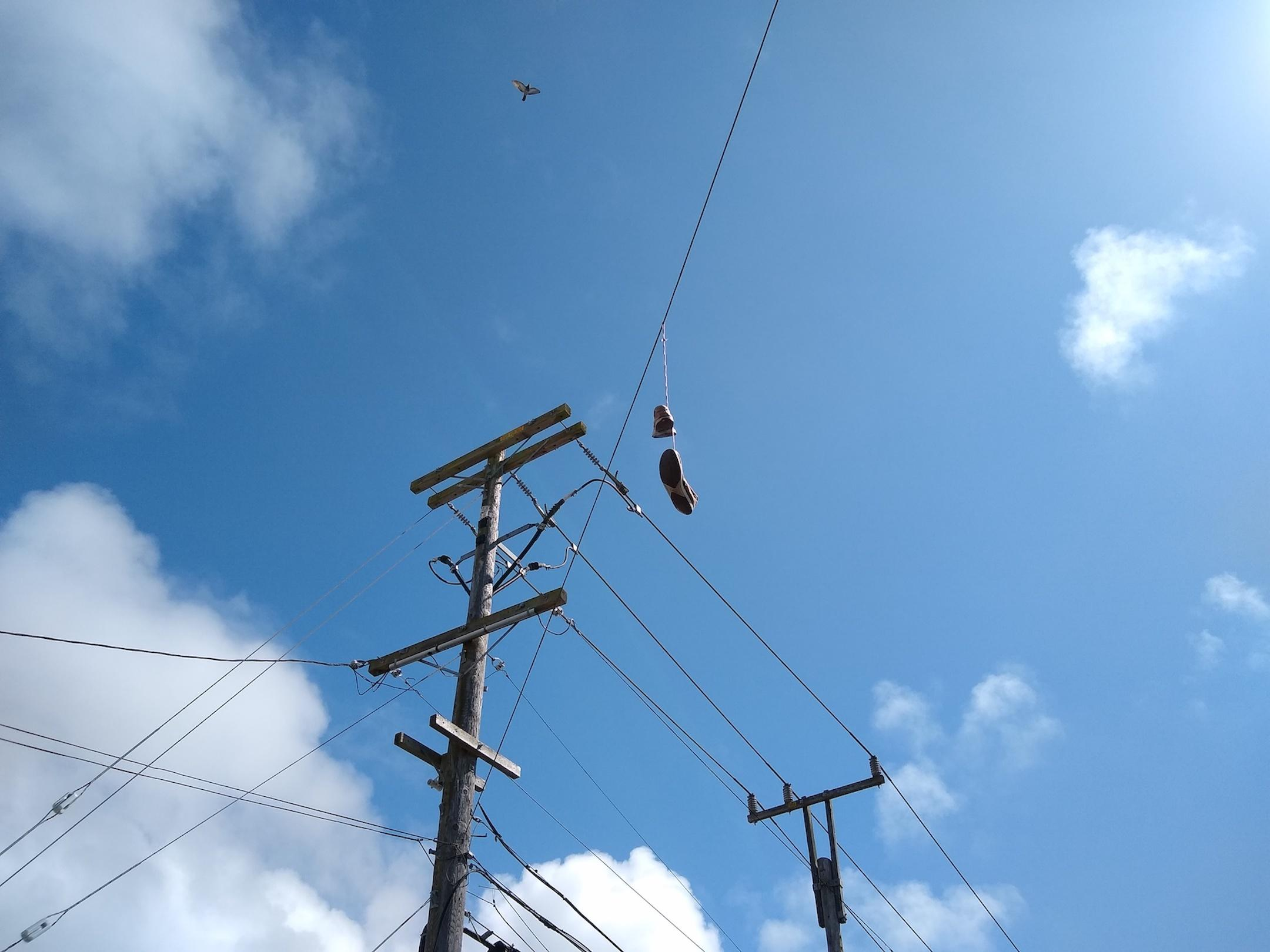 small-good-photo-telephone-line-with-shoes