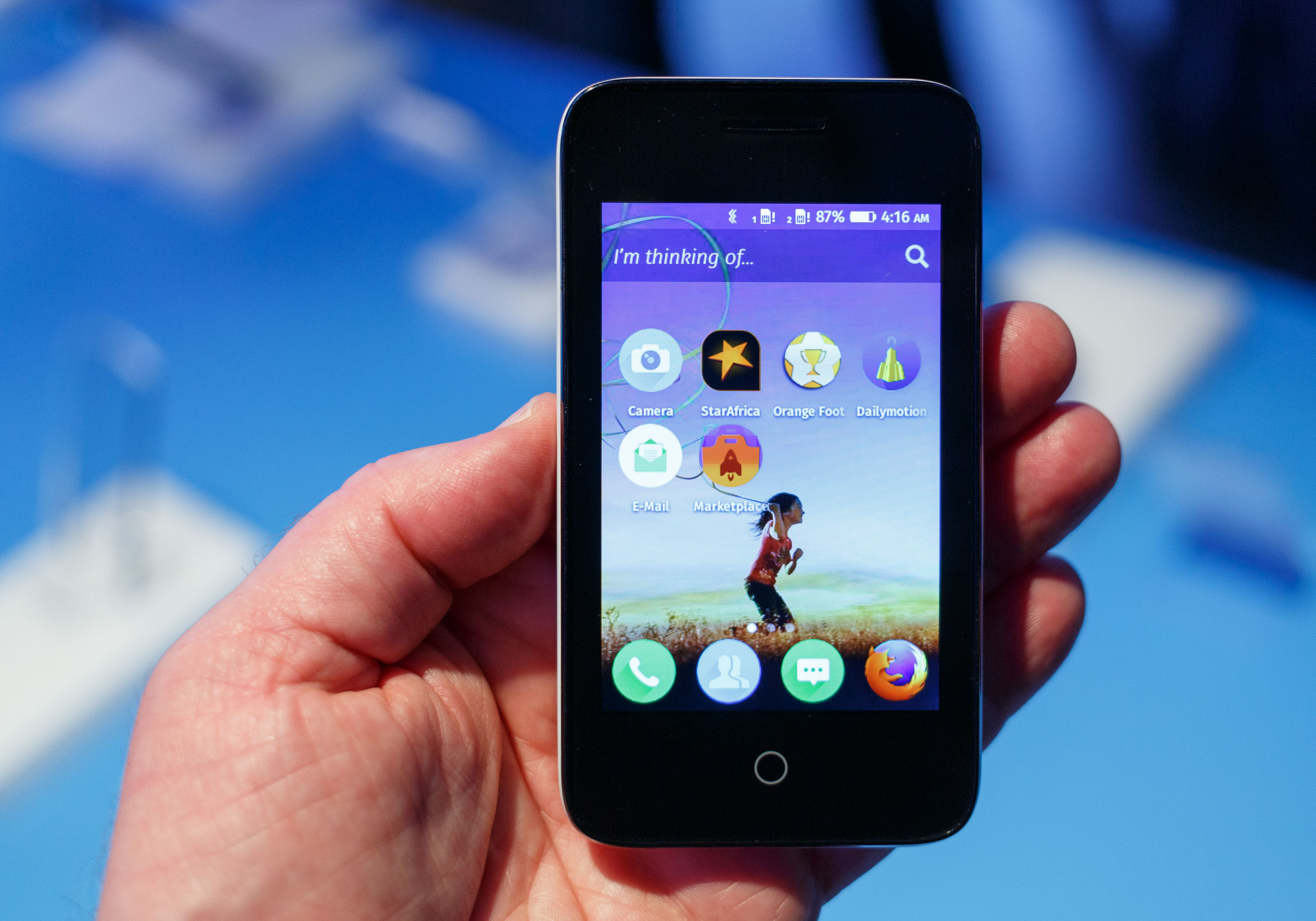 <p>Orange will bundle several apps with the Orange Klif, including the Dailymotion video service and Orange Foot for tracking soccer.</p>
