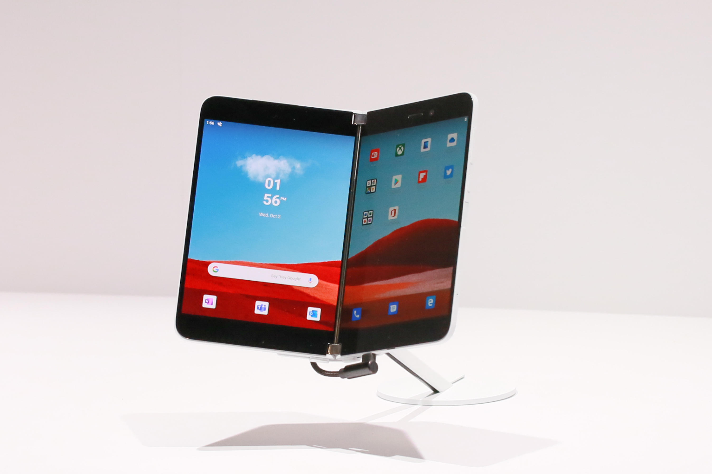 202-microsoft-surface-neo-and-surface-duo