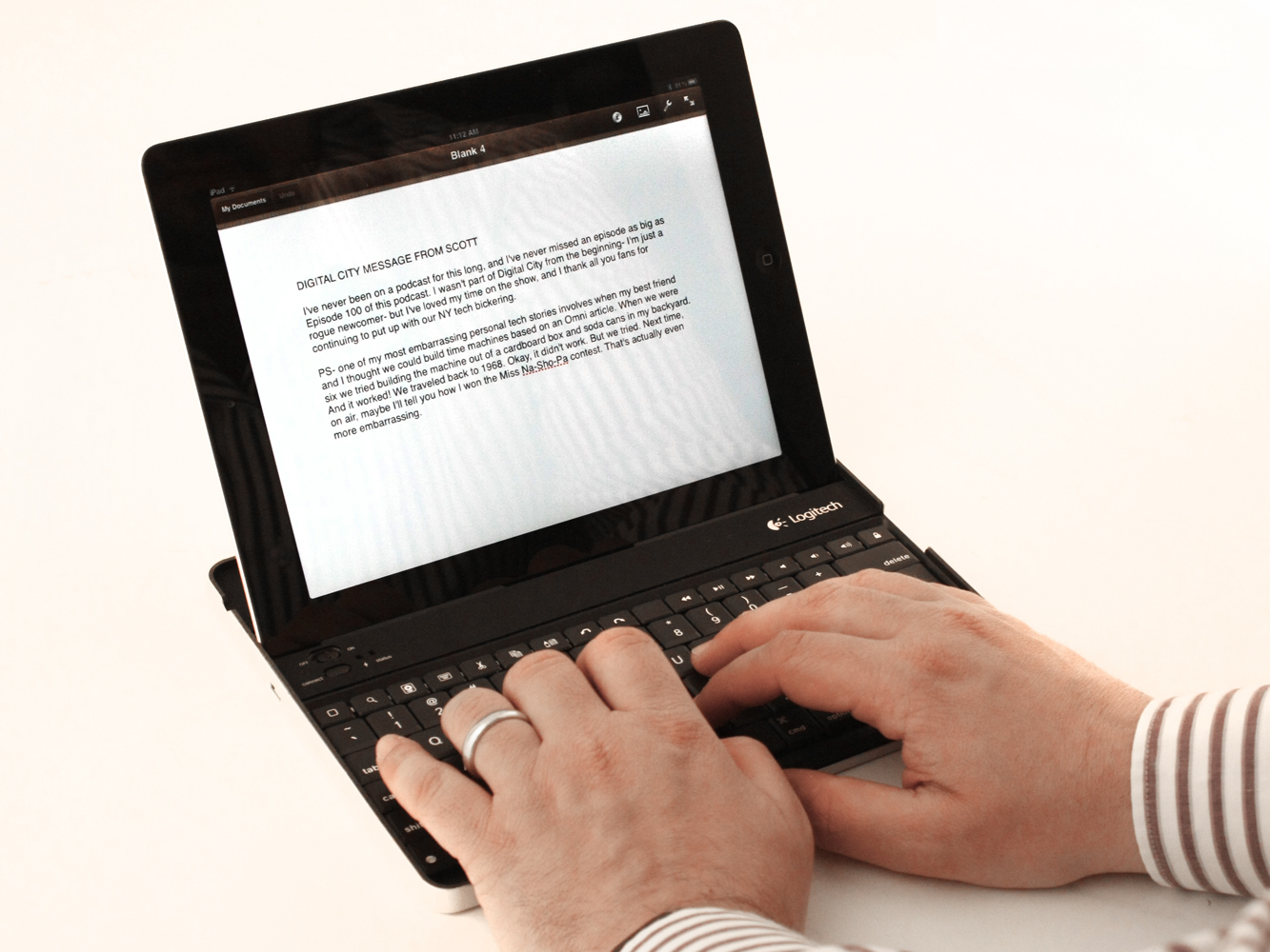 iPad 2: does it even need a keyboard to overtake laptops?