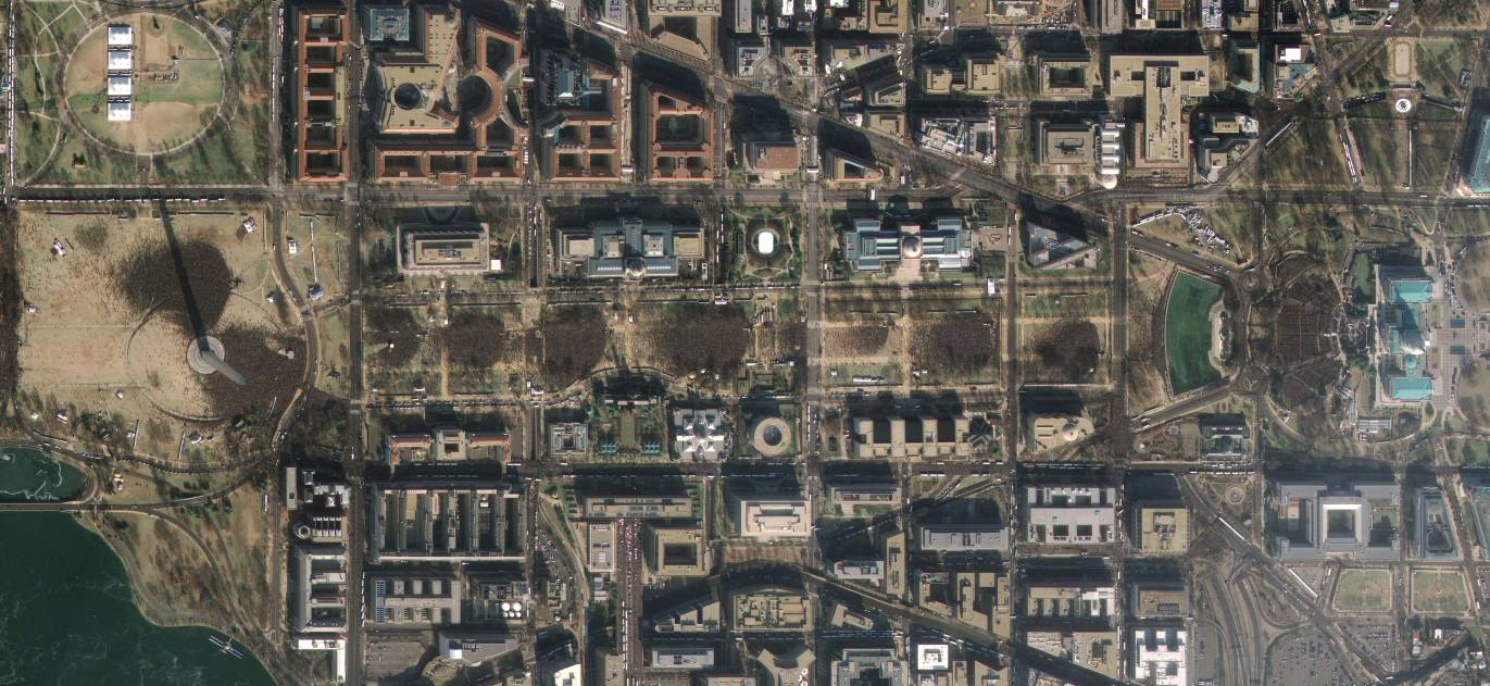 GeoEye-1 took this satellite photo of the mall during Barack Obama's inauguration ceremony.
