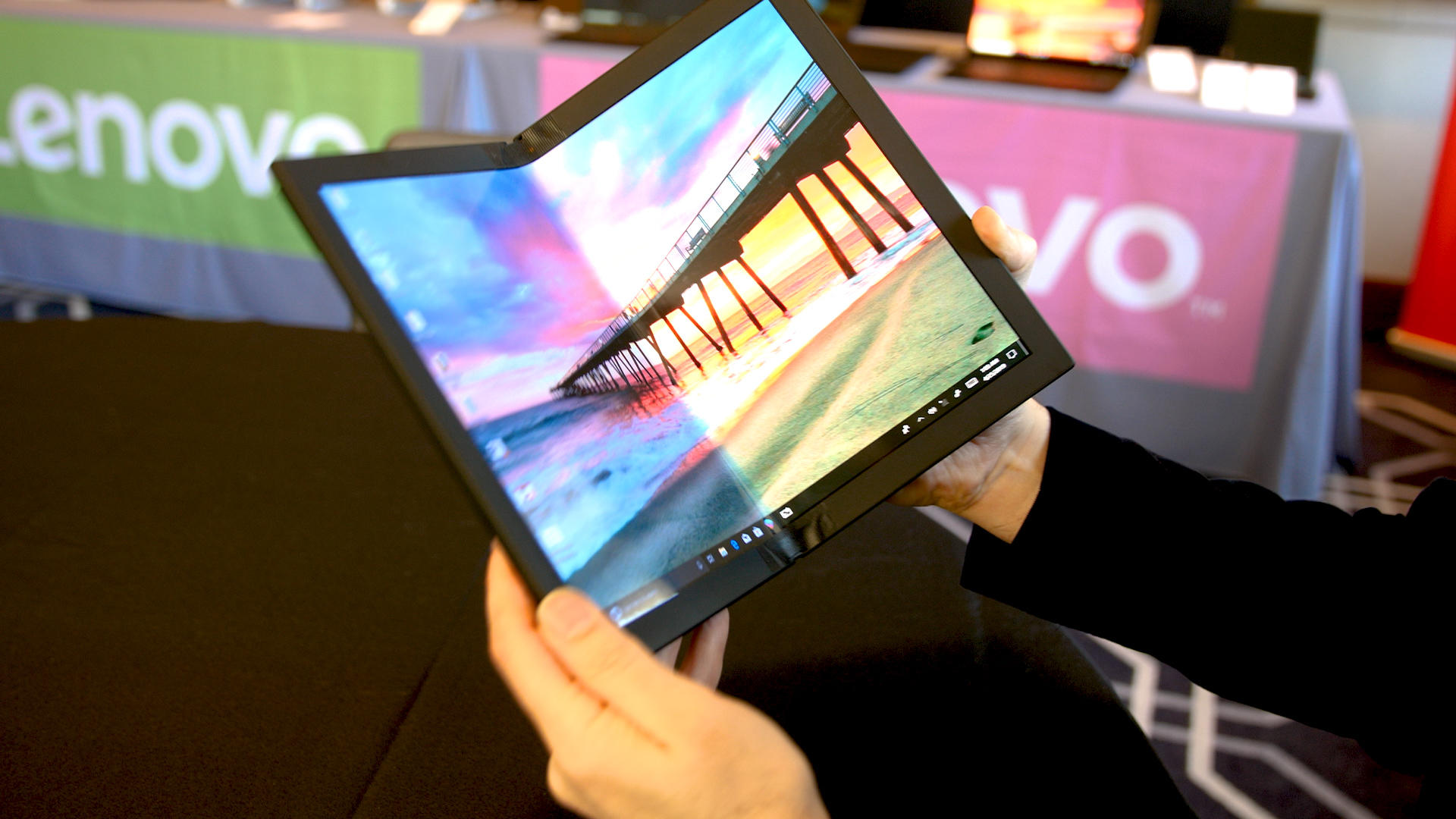 Video: Lenovo's flexible ThinkPad X1 prototype