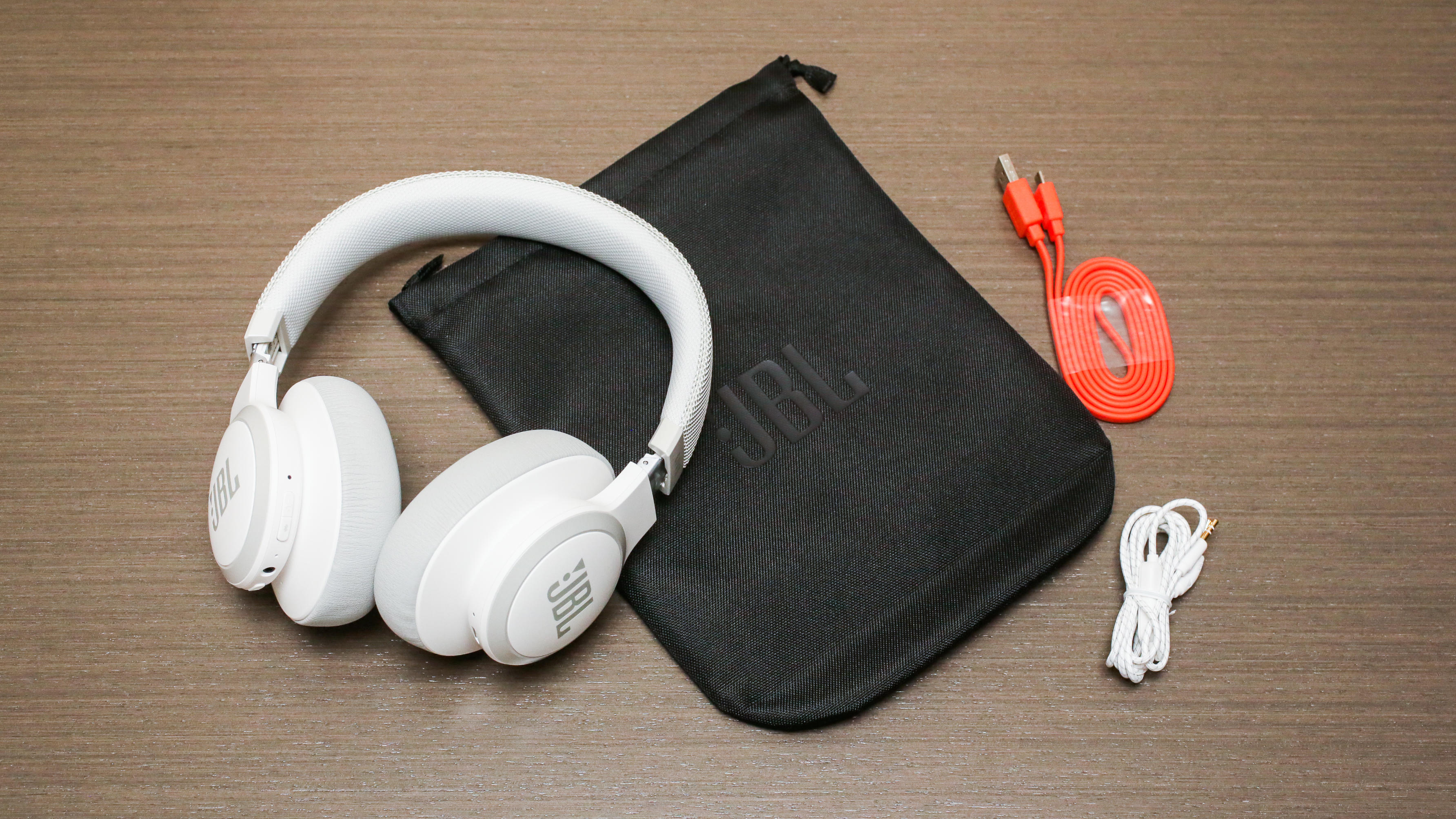 009-jbl-650bt-active-noise-cancelling-headphones