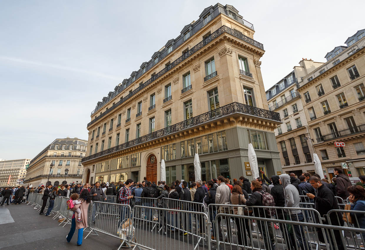 Apple's retail store in Paris, one of the company's 390 stores worldwide.