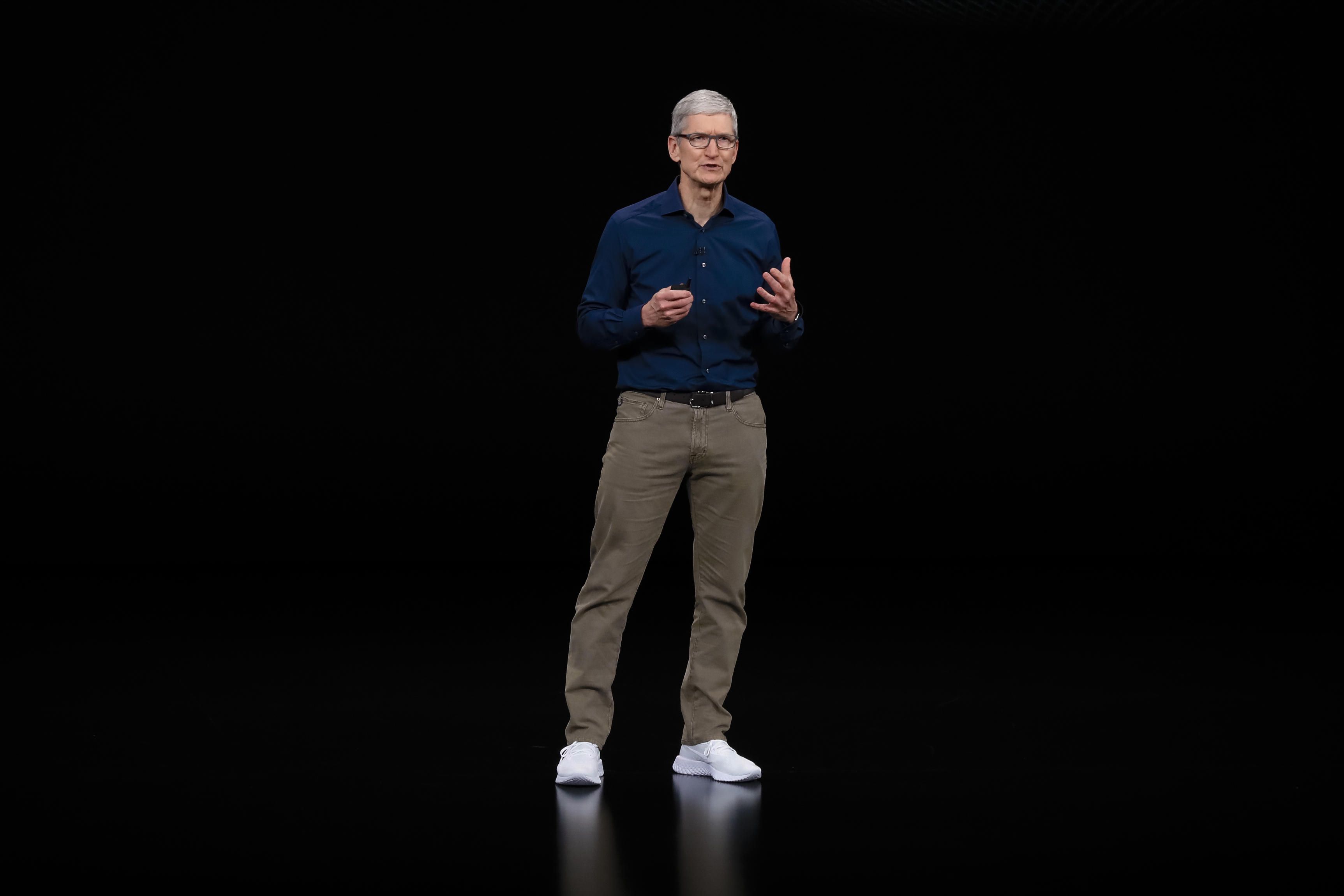 apple-event-091218-tim-cook-0432
