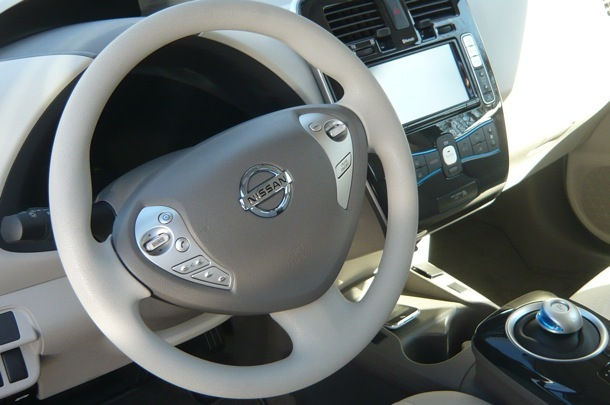 The gear shift is modeled after a trackball, and there are only two gears: drive and reverse.