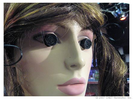 Photo of Moaning Lisa mannequin head.