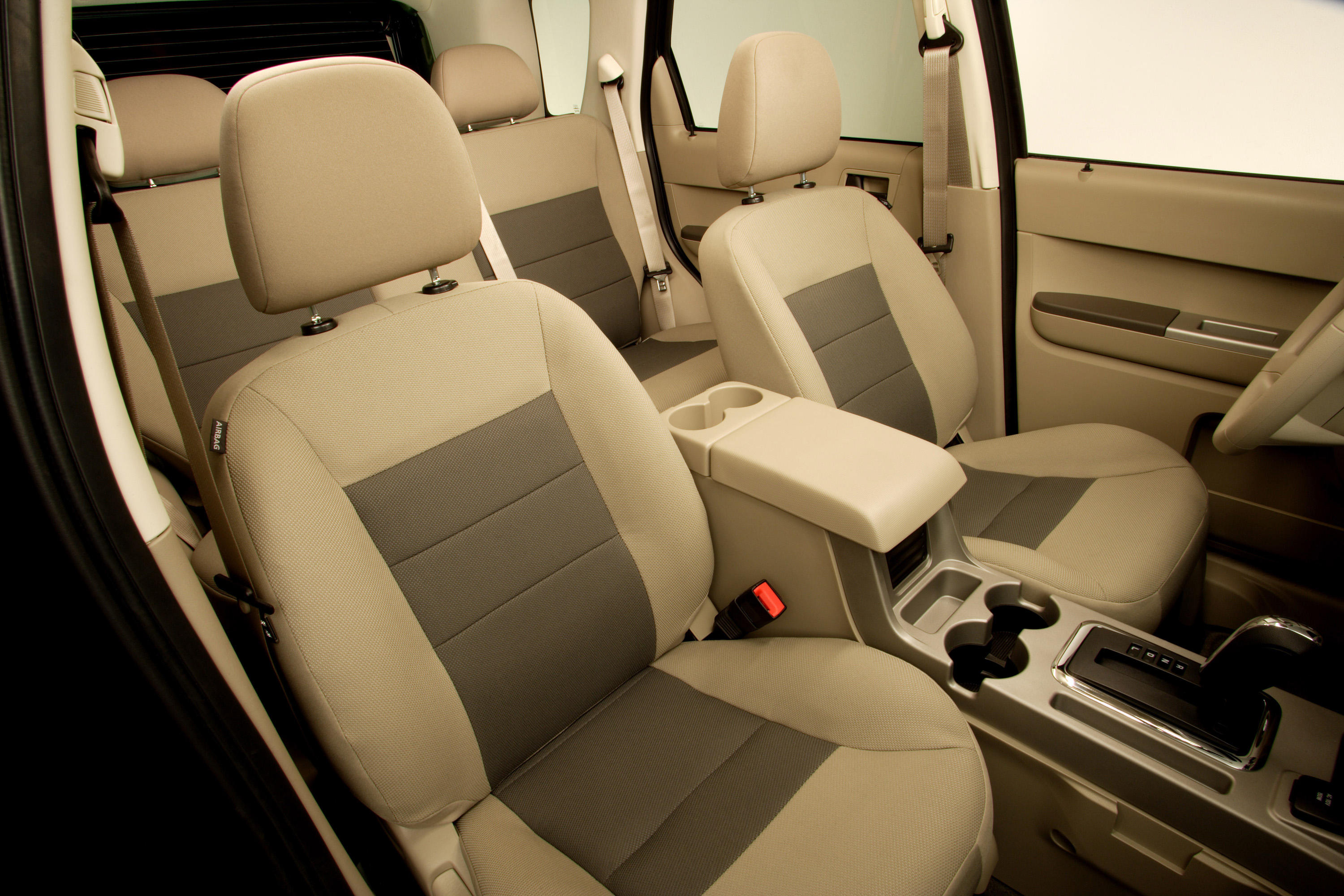 2008-ford-escape-interior-2