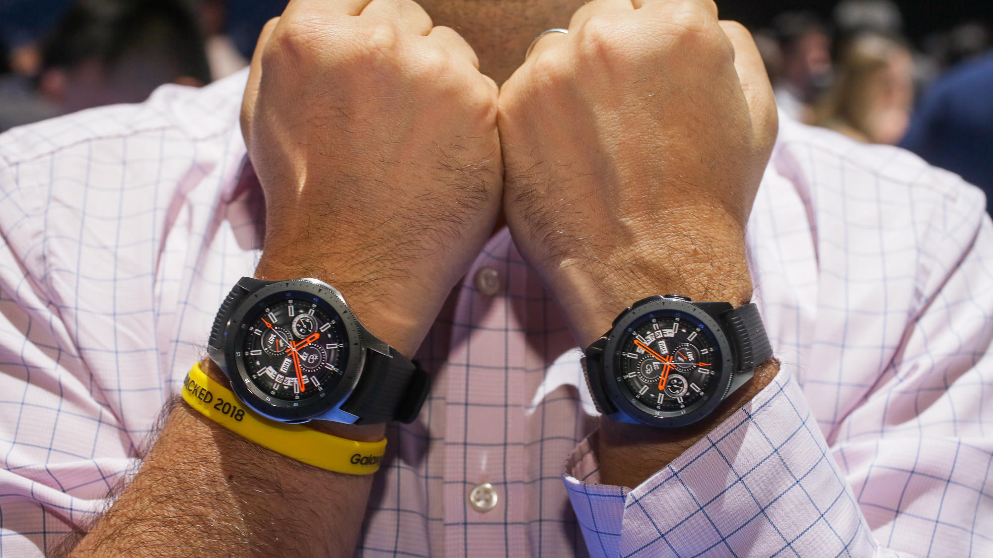 Samsung Galaxy Watch Ongoing Review 4 Ways It S Better Than Apple Watch So Far Cnet