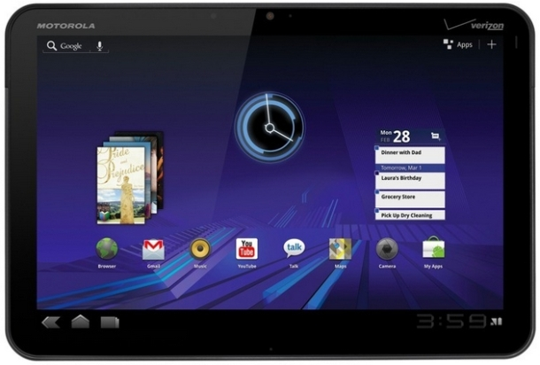 Select Motorola Xoom owners are now getting a licking of Ice Cream Sandwich.