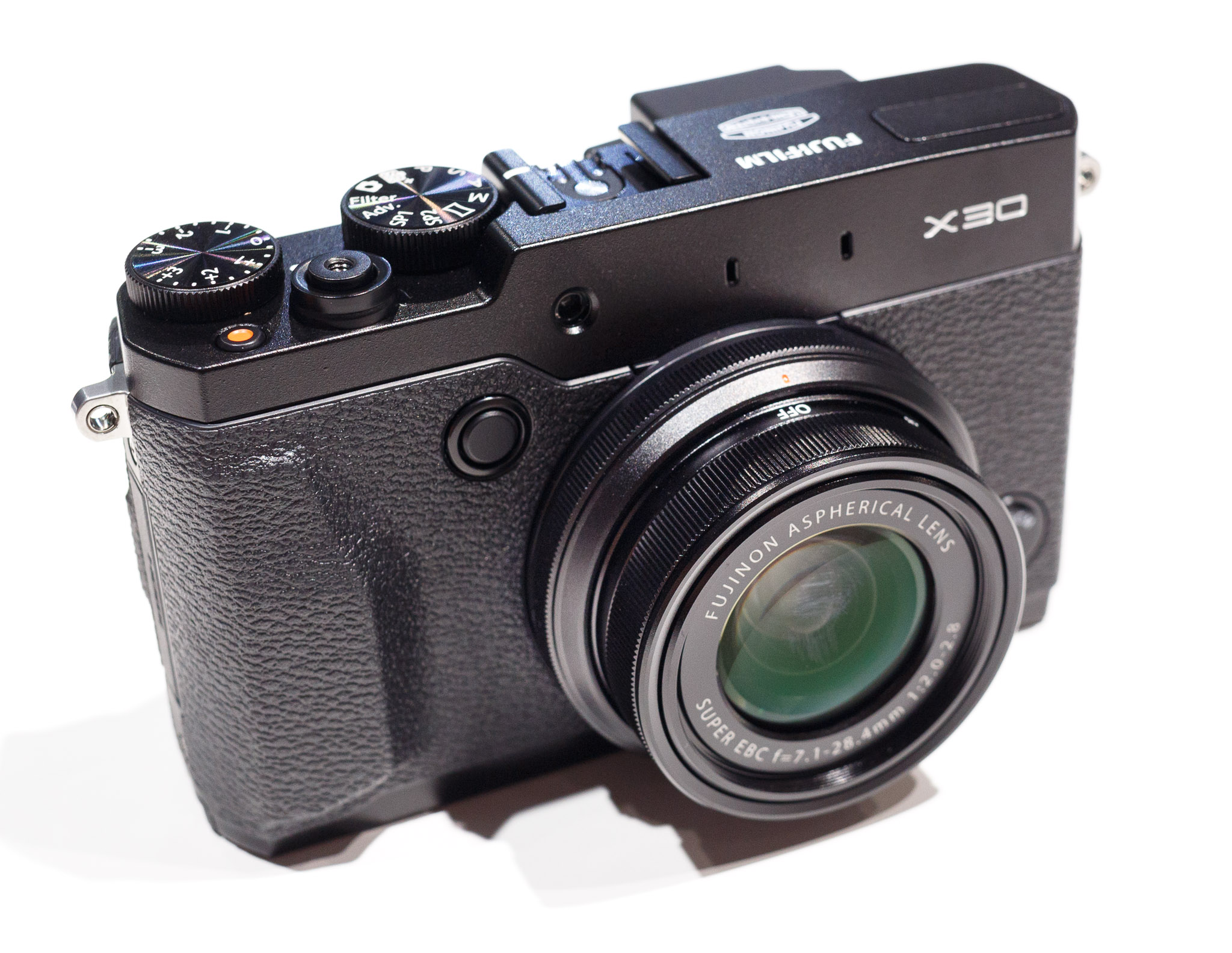 The $600 Fujifilm X30 doesn't have interchangeable lenses, but it embodies the shift toward high-end compact cameras.
