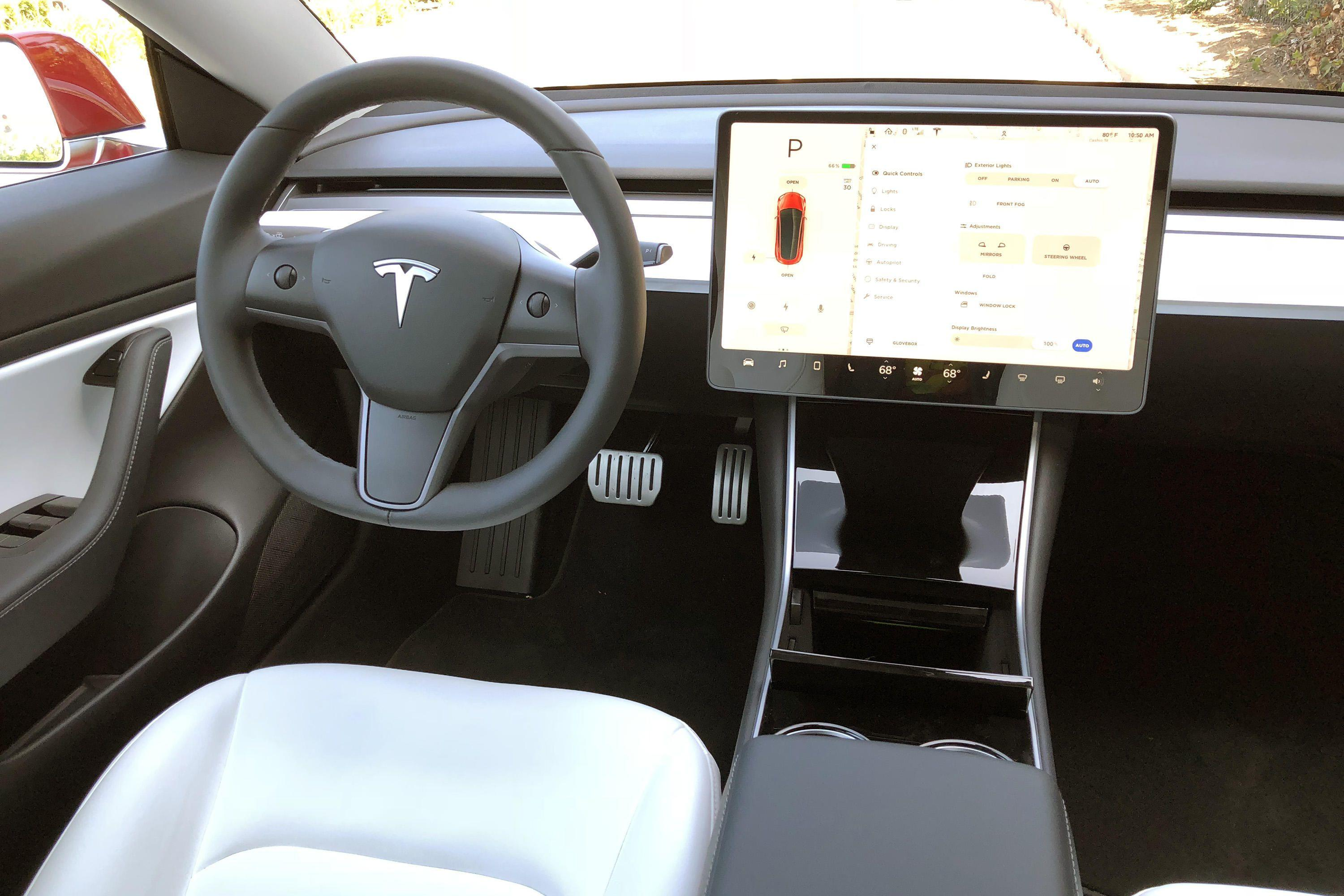 2019-tesla-model-3-performance-interior-nick-miotke