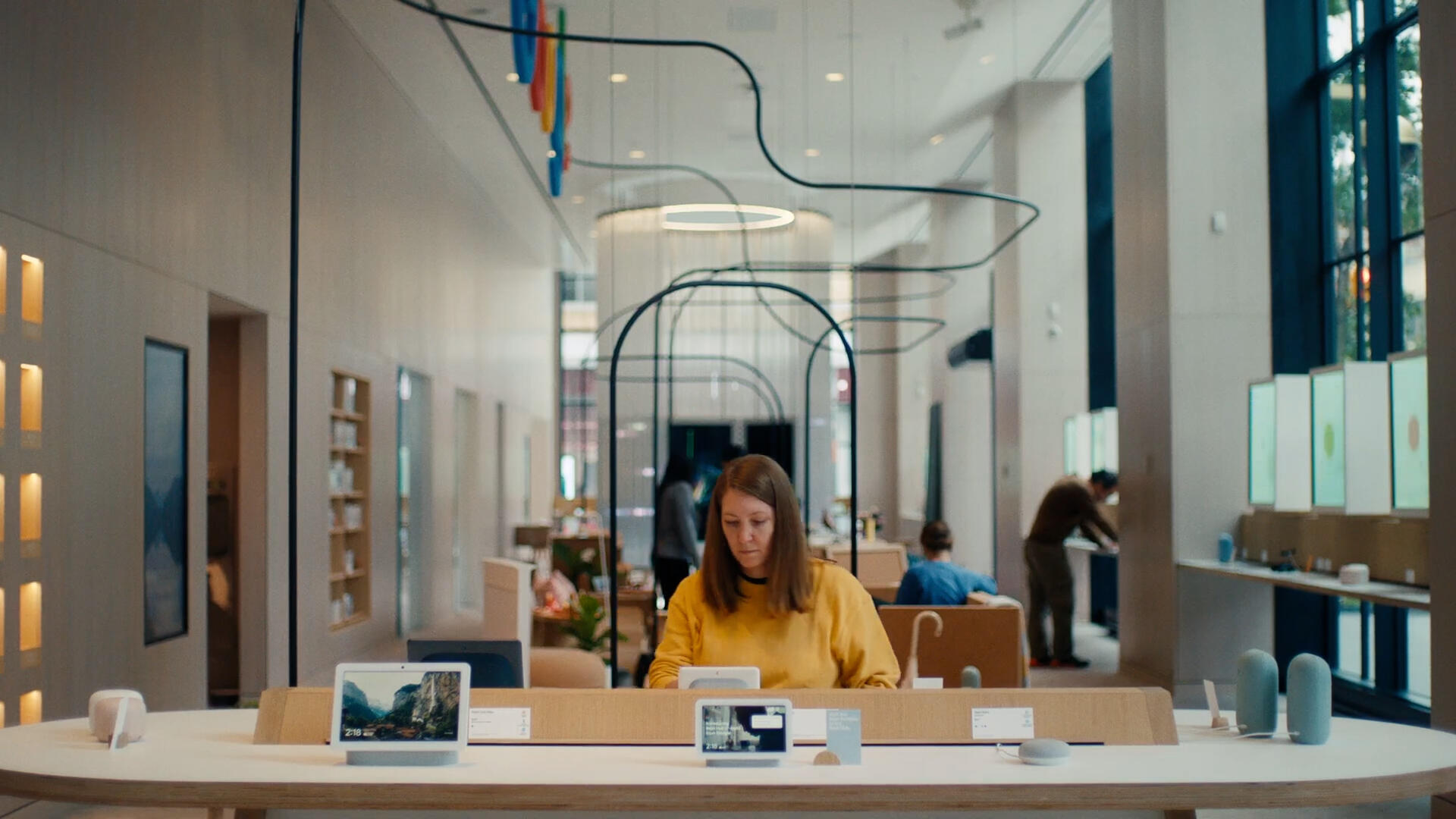 Video: Google opens first retail store, Facebook begins testing ads in Oculus VR headsets