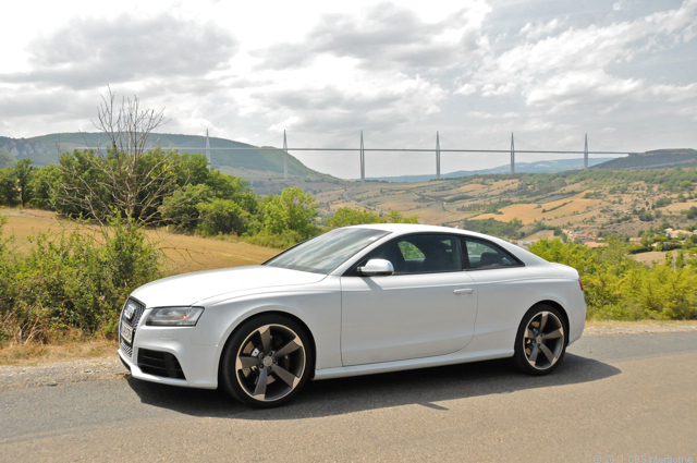 RS 5 and full Millau Viaduct
