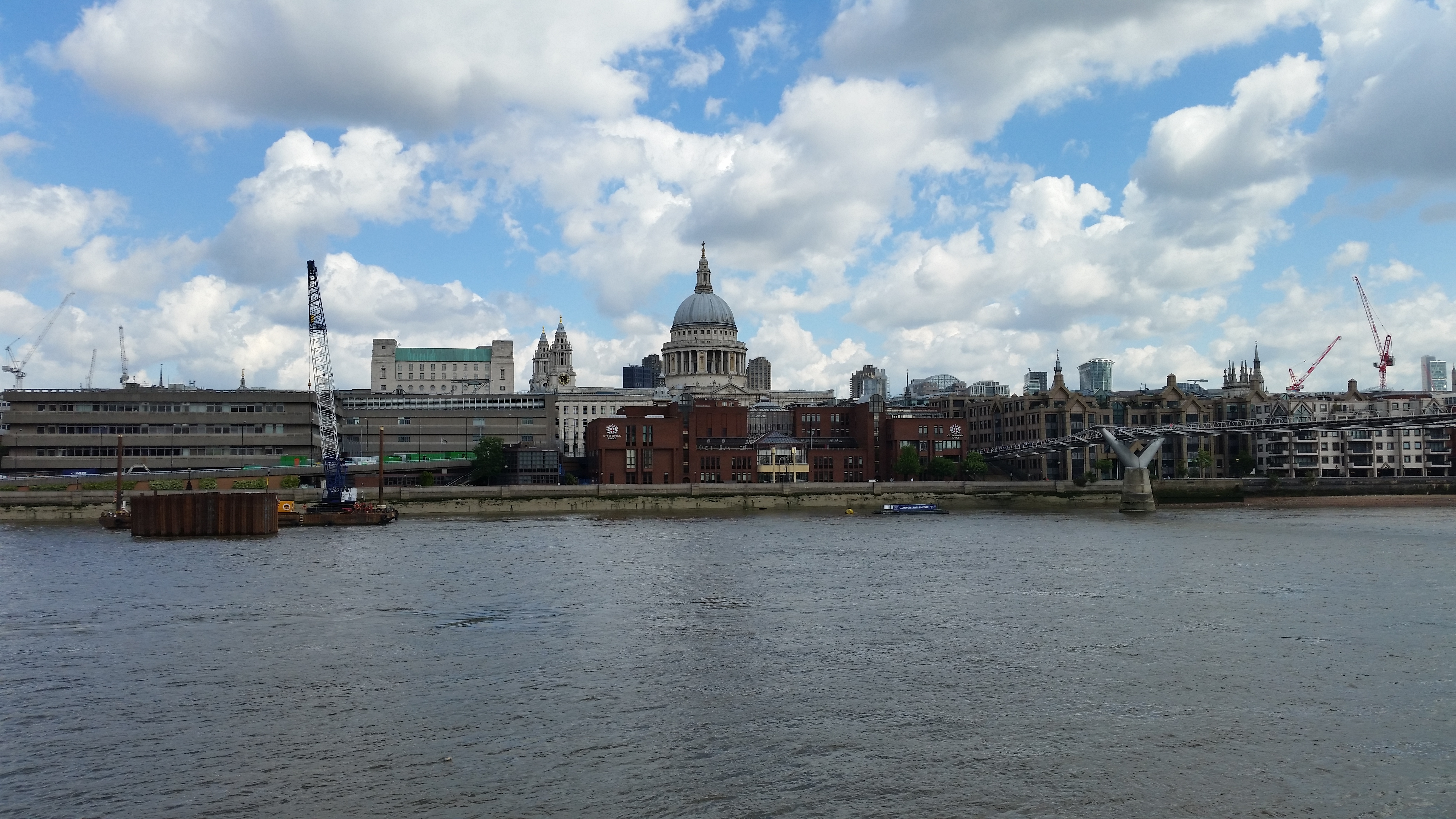 st-pauls-hdr-k-zoom-s5-compare.jpg