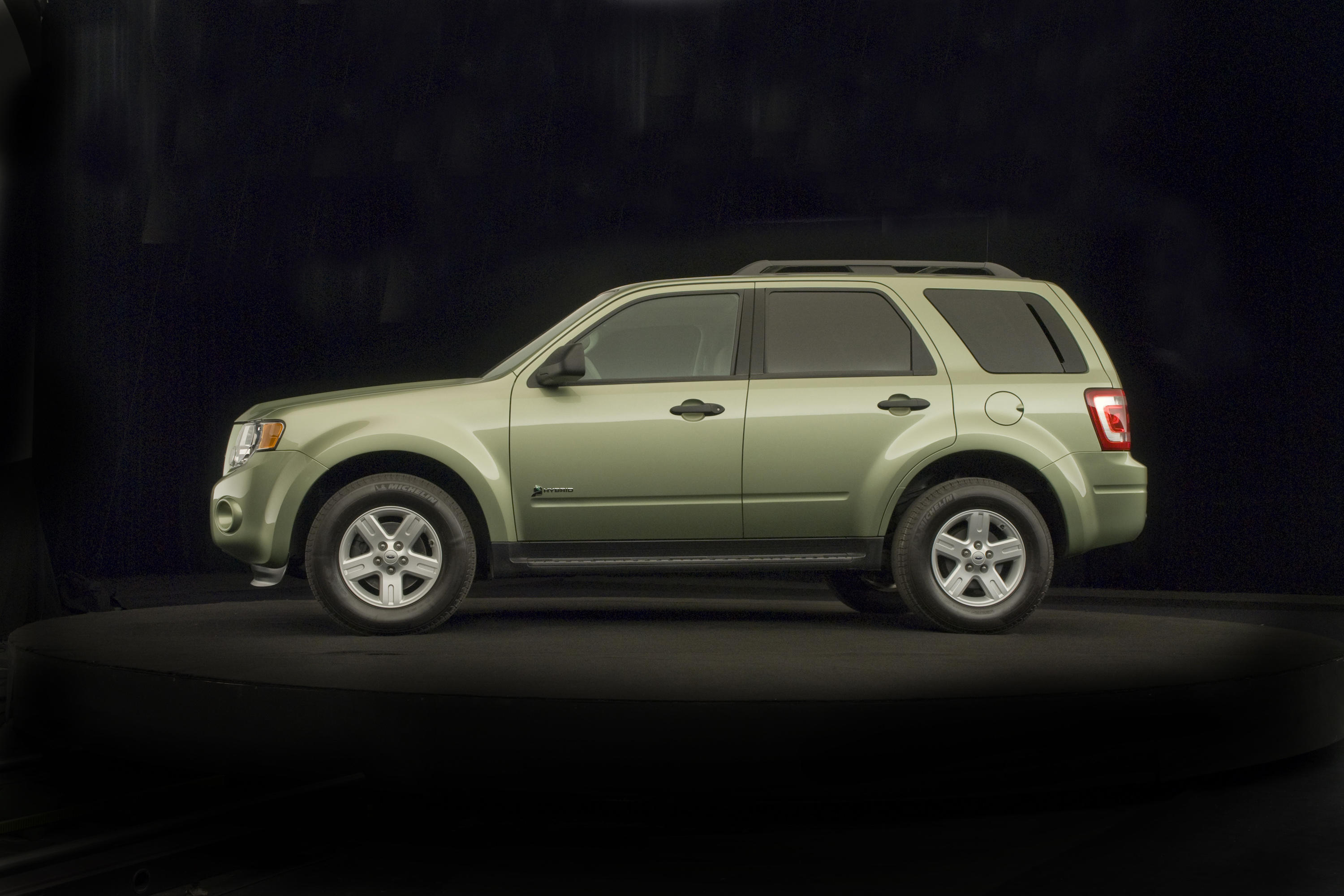 2008-ford-escape-hybrid-exterior-3