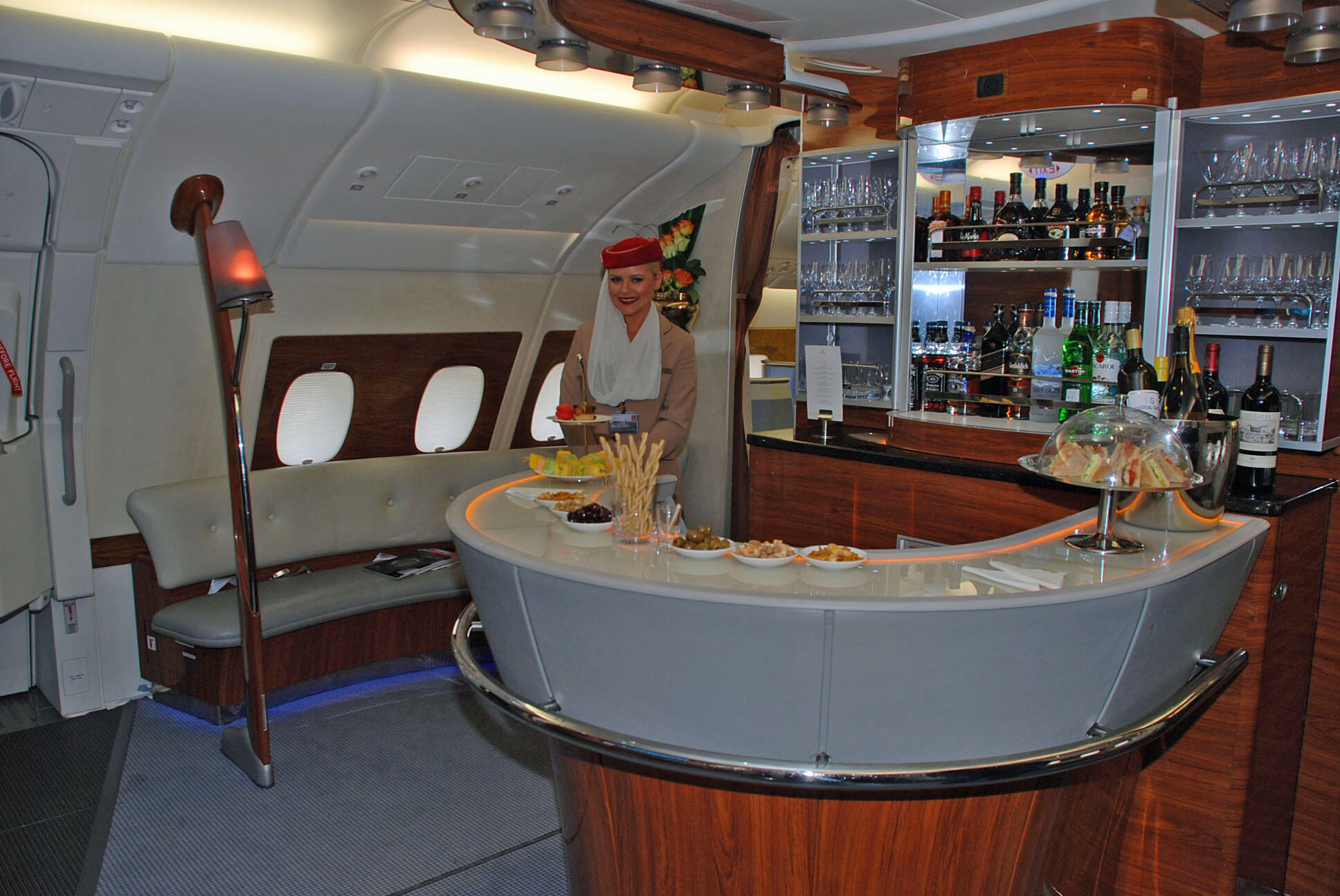 emirates-a380-lounge