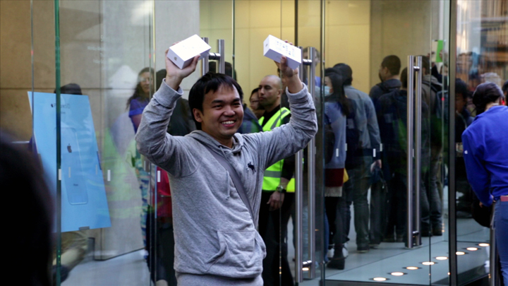 The first buyer of the iPhone 5S in Sydney, Australia last month.