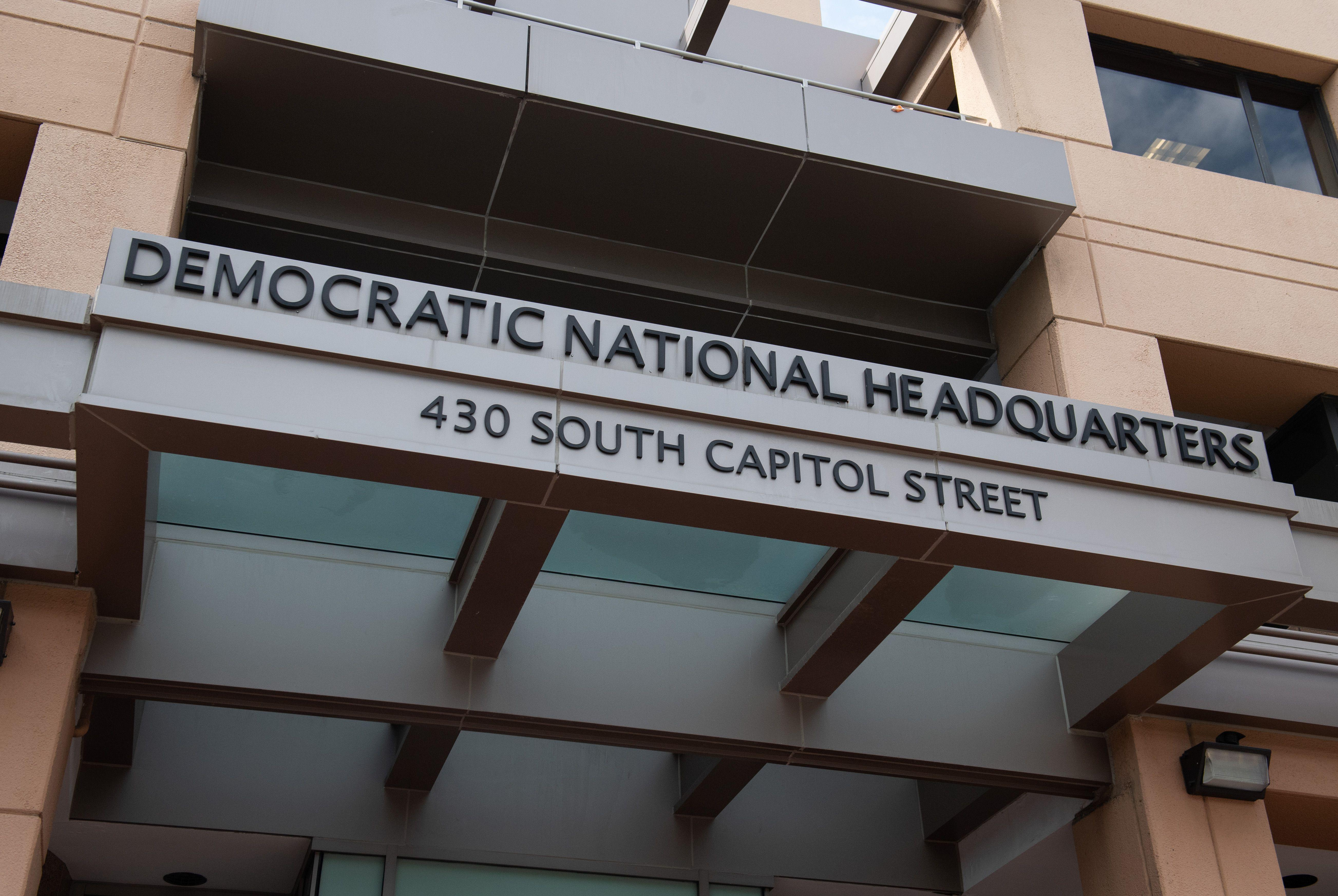 Entry signage at Democratic National Headquarters