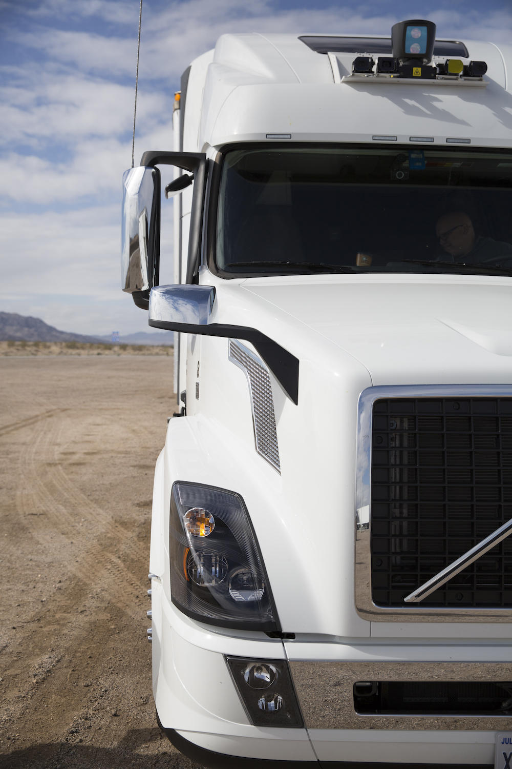 Uber self-driving tractor-trailer truck