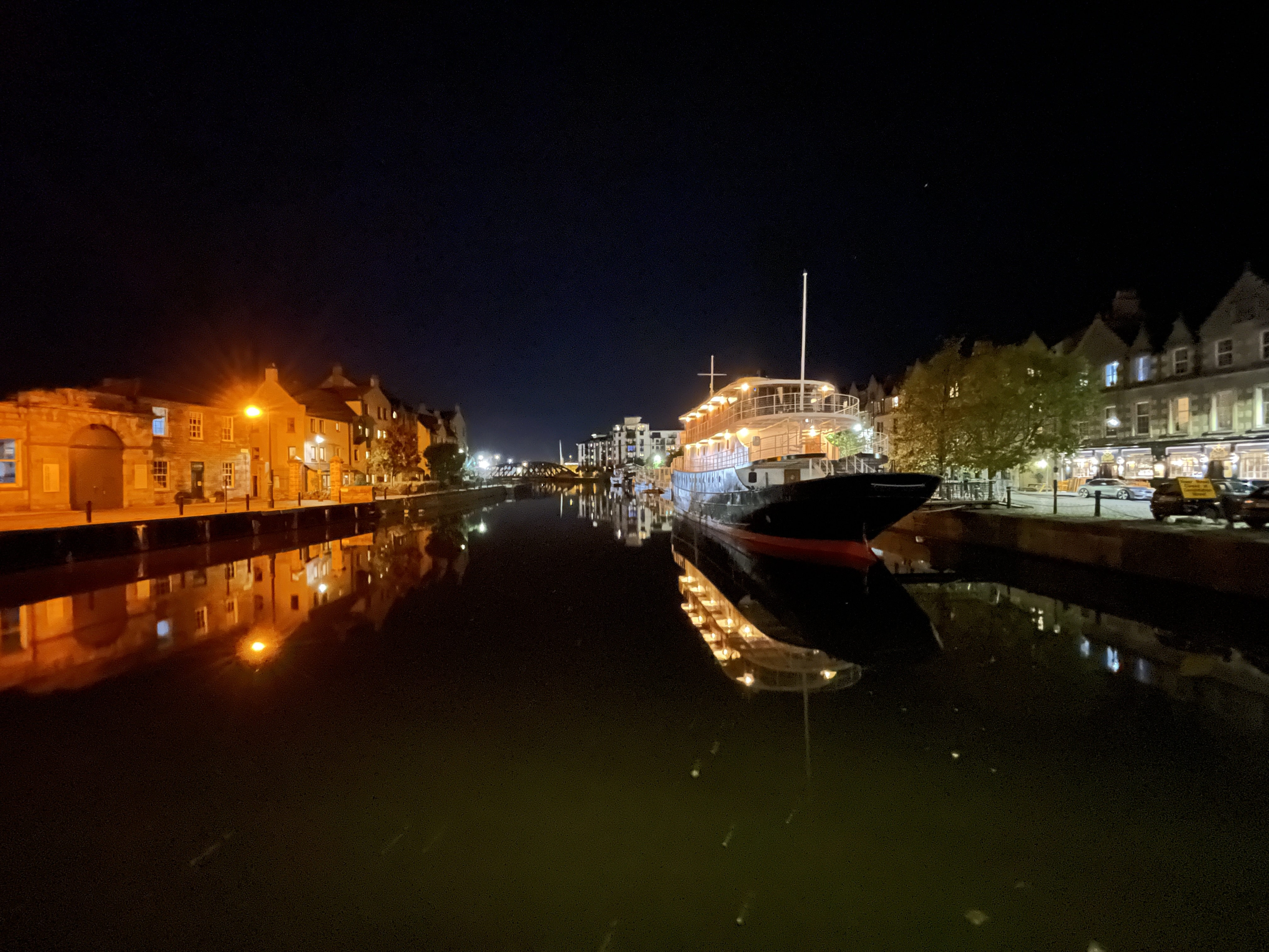boat-wide-night-mode-iphone-12-pro-max