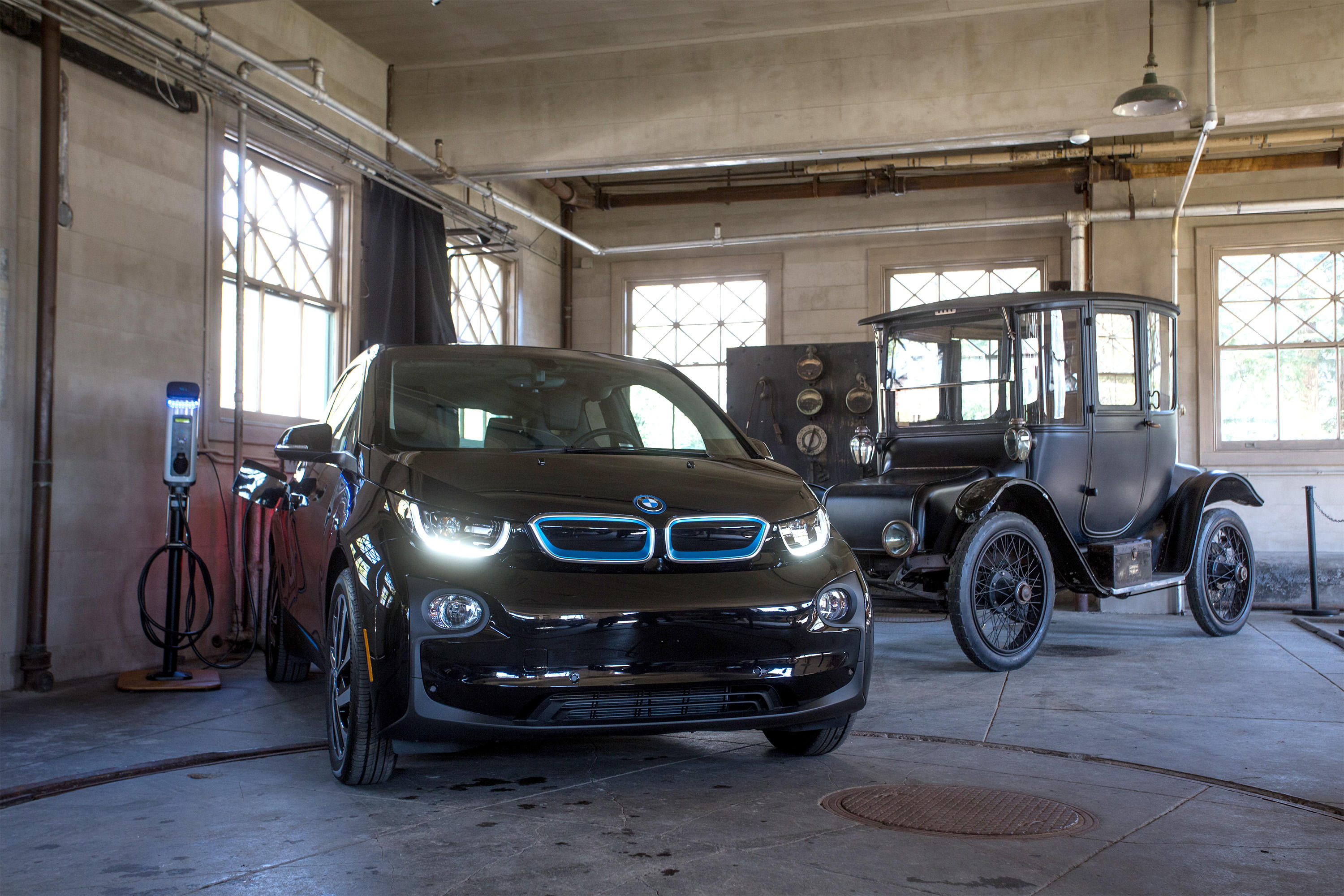 bmw-parks-chargers-promo