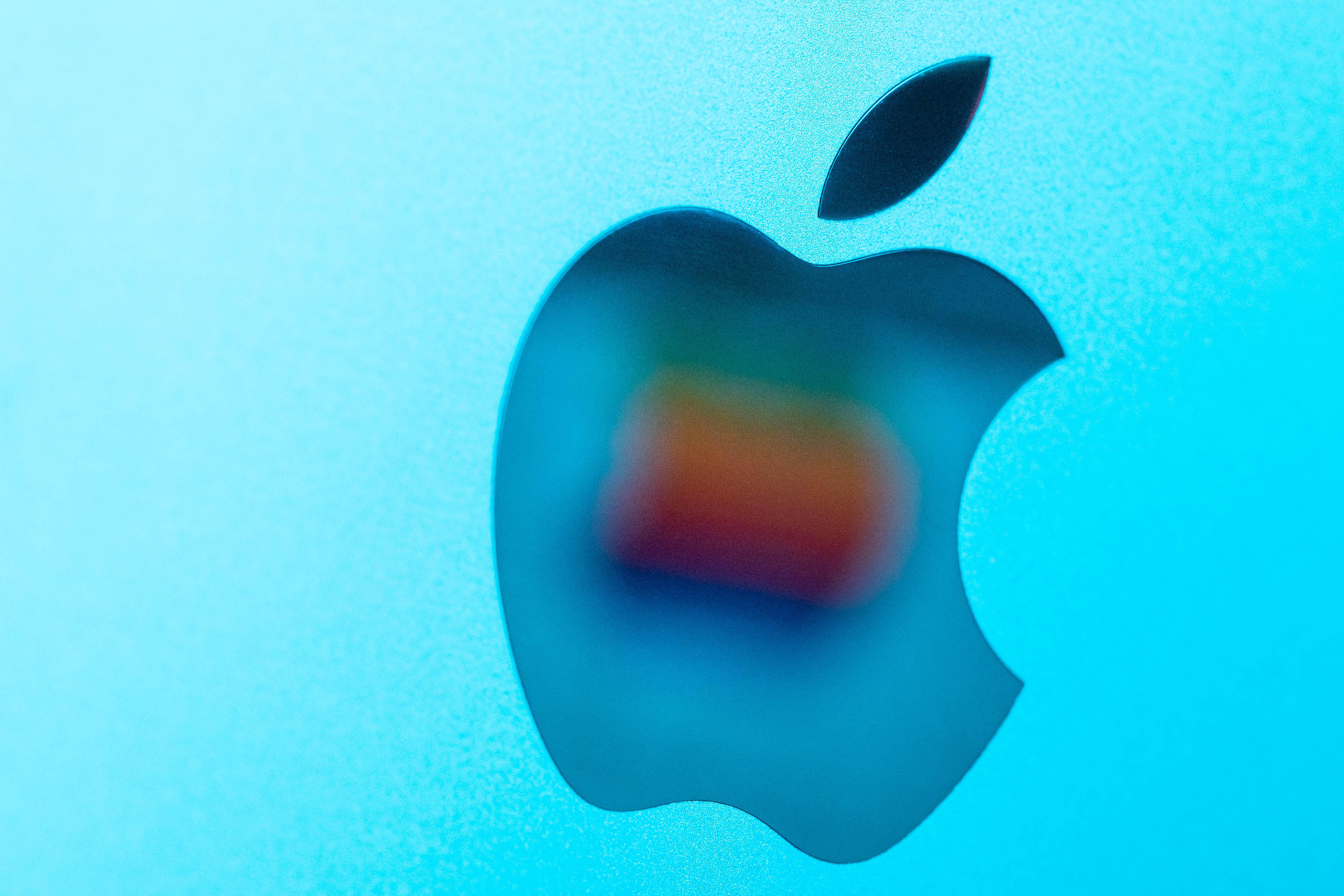 <p>The iPad Is Ideal for art, Movies and Games, but Apple wants more thumbnail