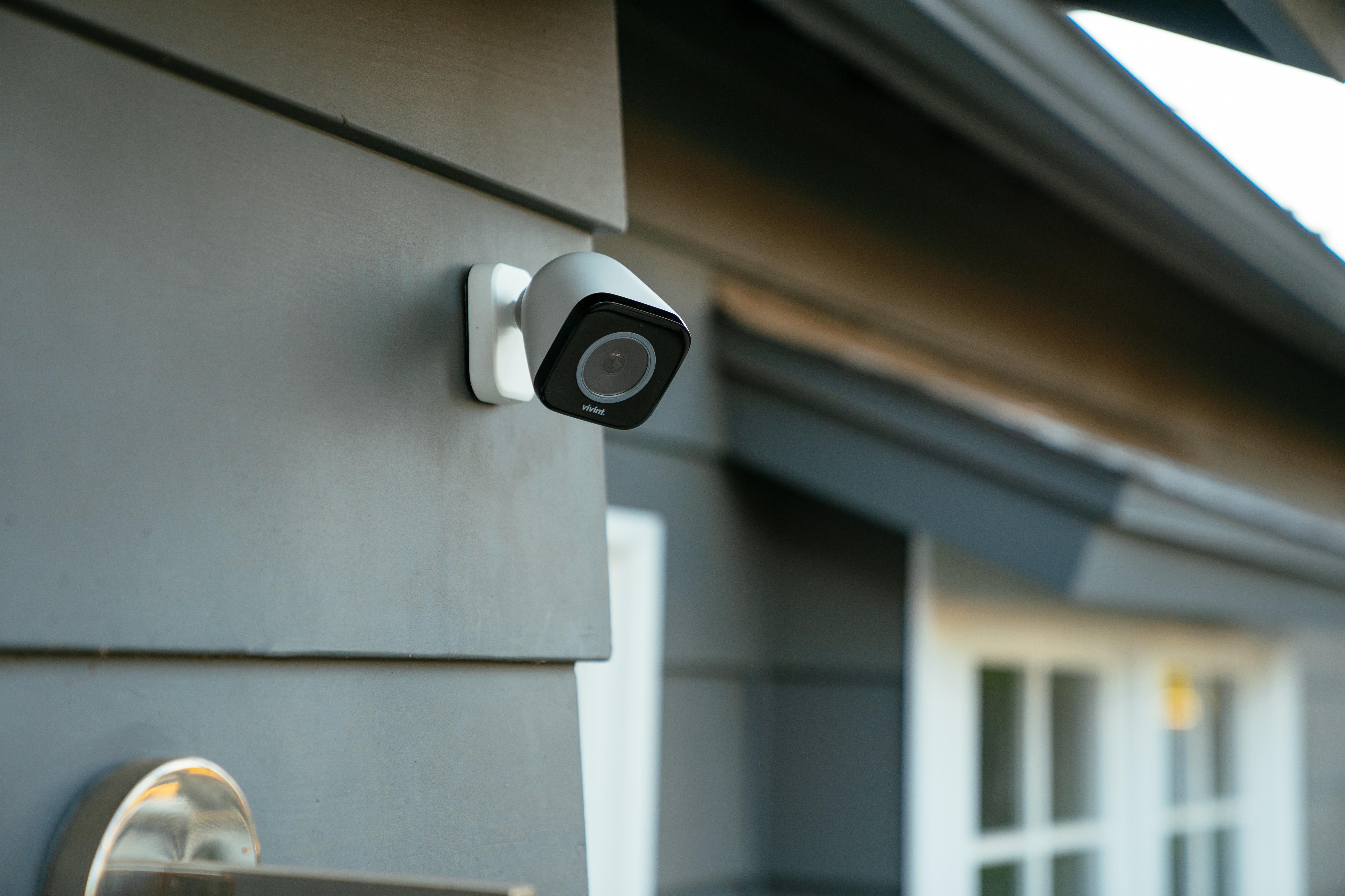 mounted-vivint-outdoor-camera-pro