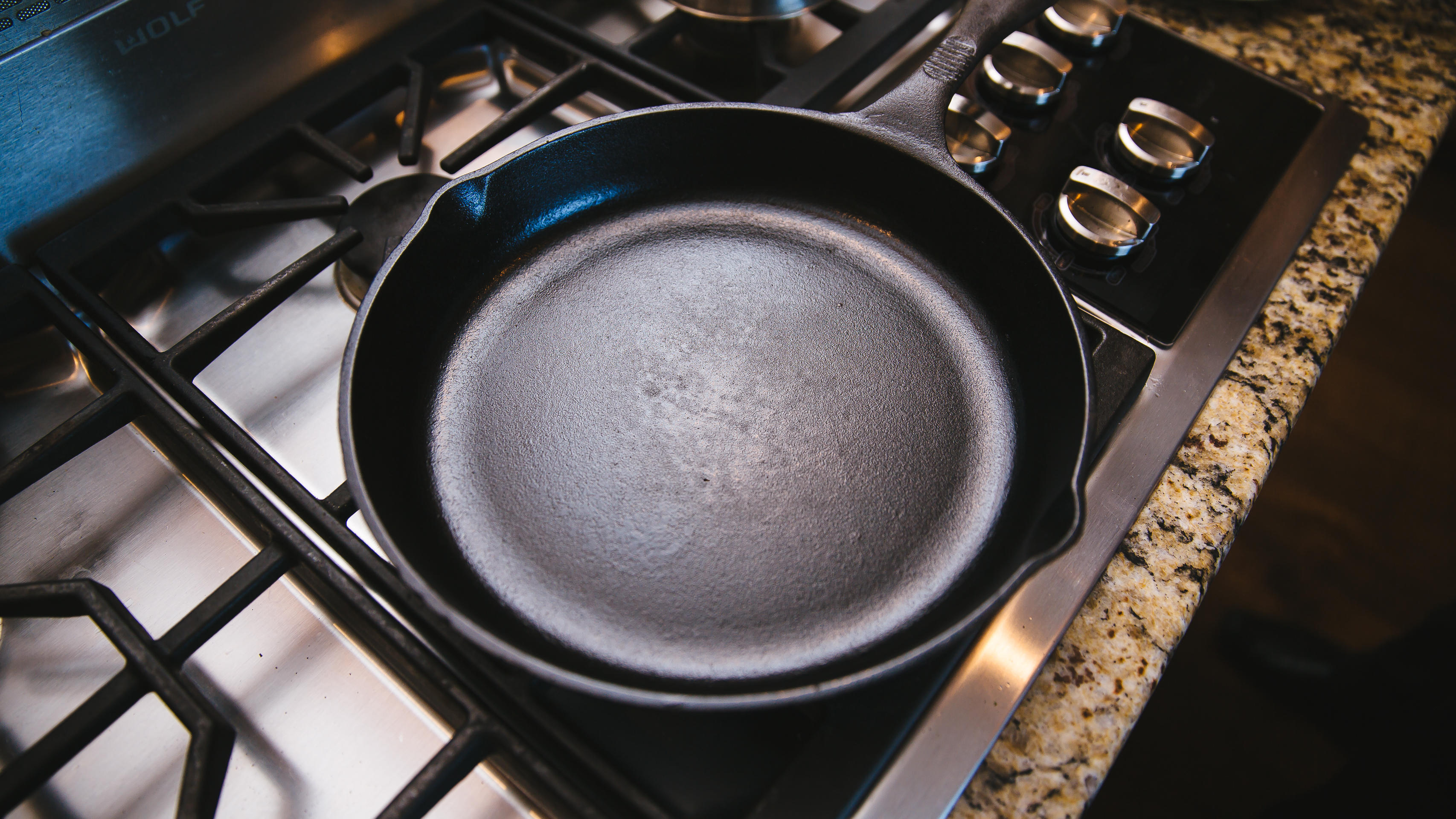 cast-iron-pan-seasoning-15