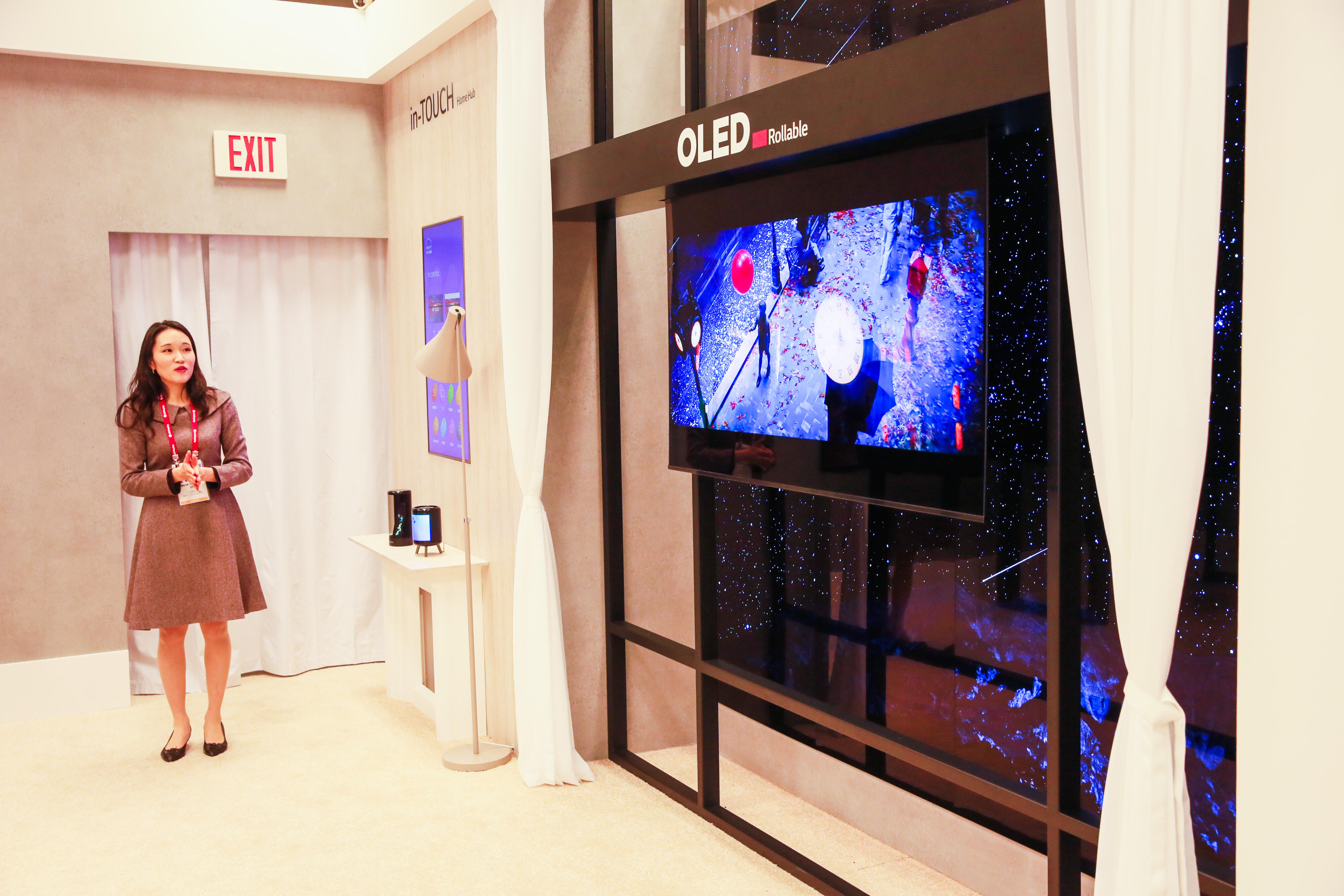 LG Display Rollable Transparent OLED
