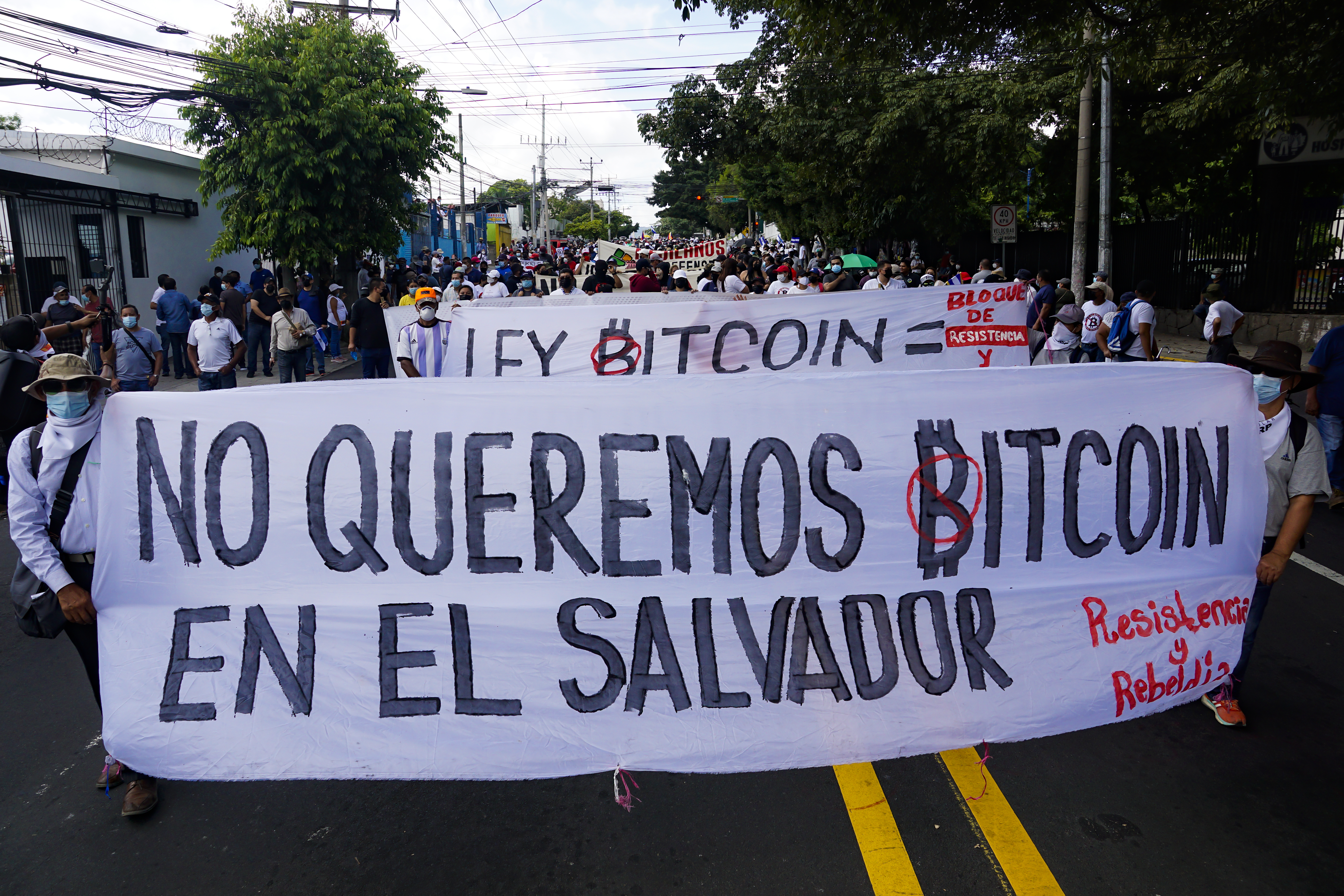 Salvadorans protest against the Bitcoin Law