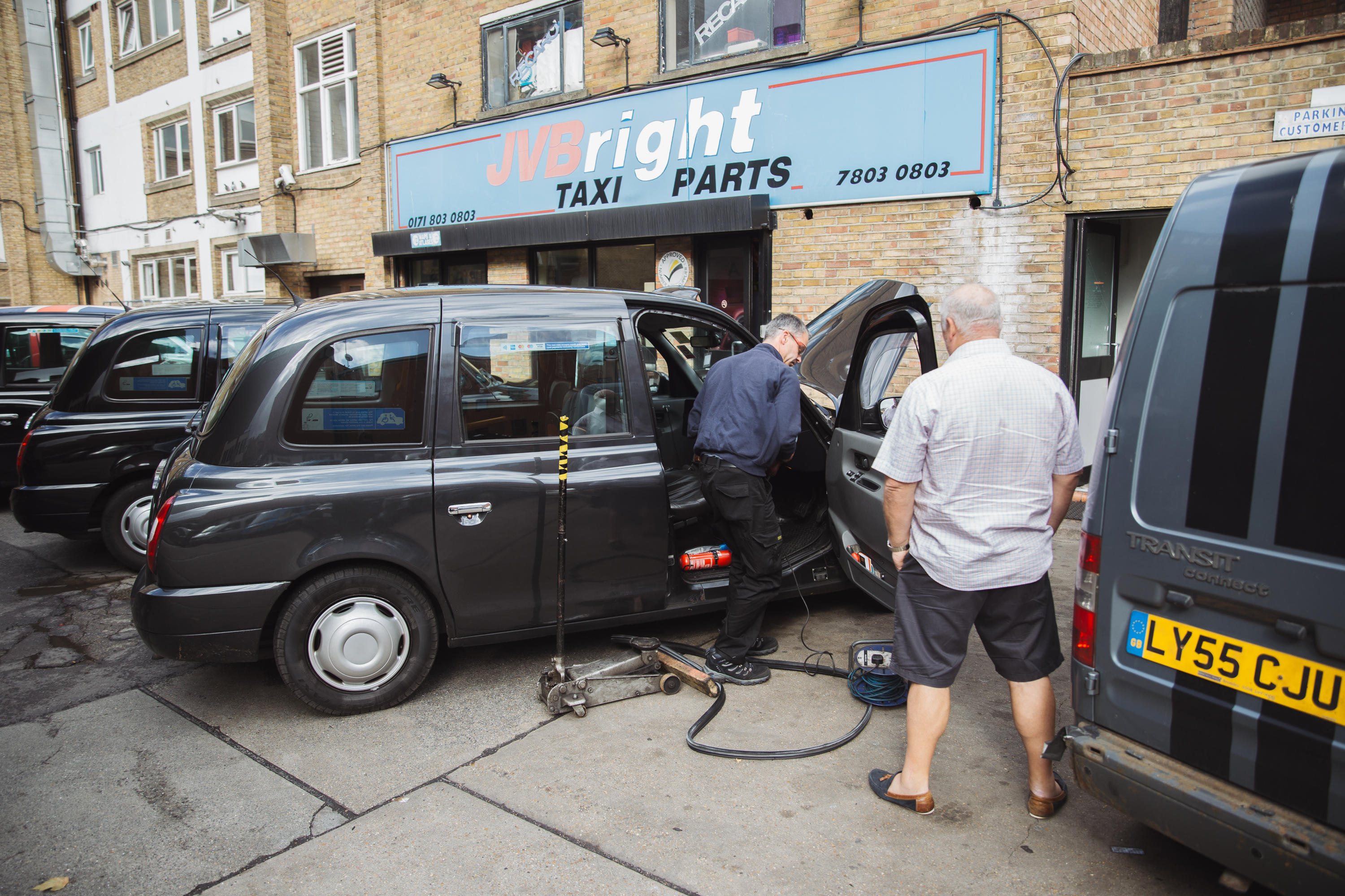 The Southwark station contains one of London's only mechanics businesses that caters solely to black cabs.