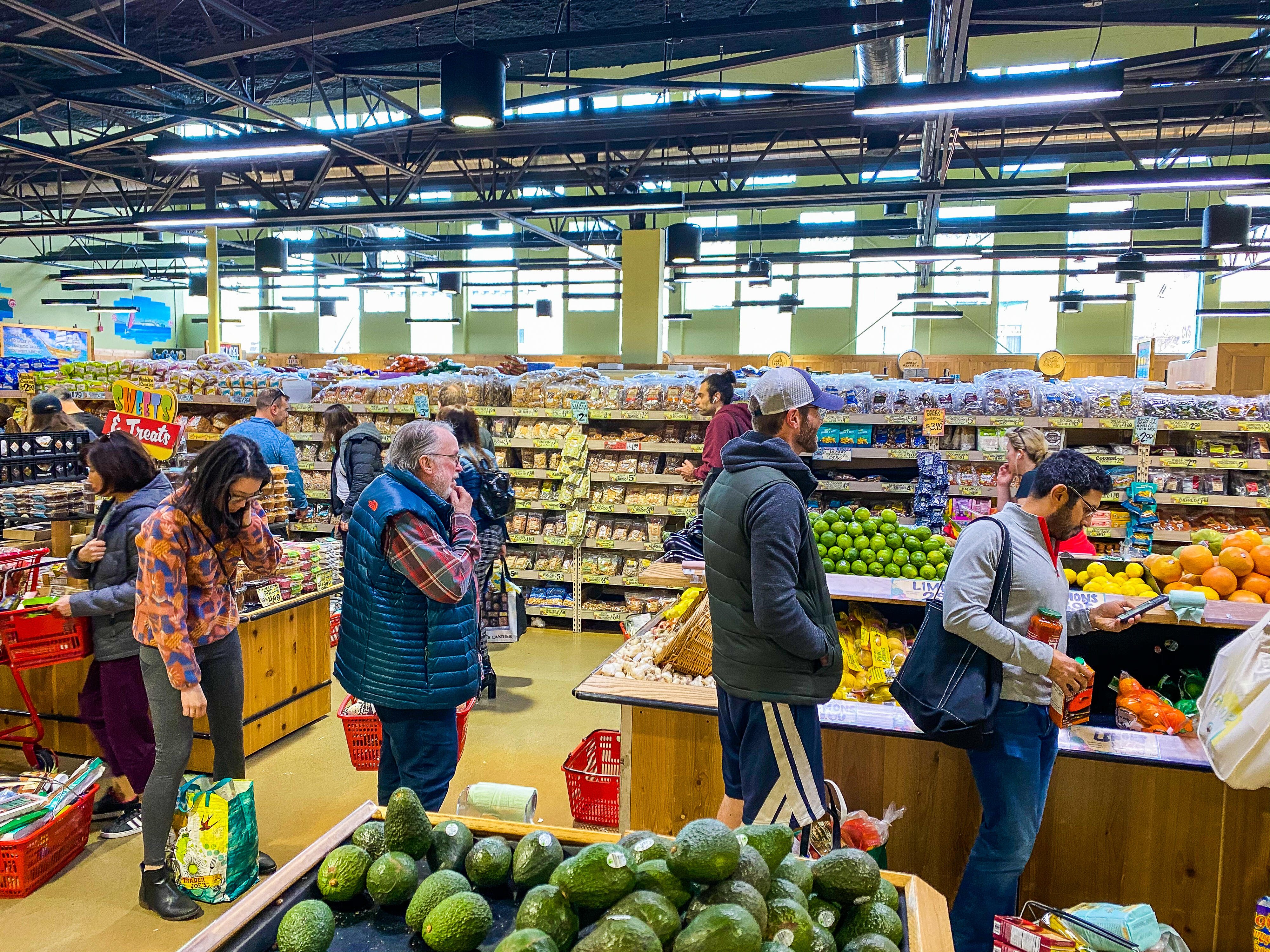 tibken-trader-joe-s-sf-nob-hill-at-8-am-friday-only-thing-in-stock-was-produce