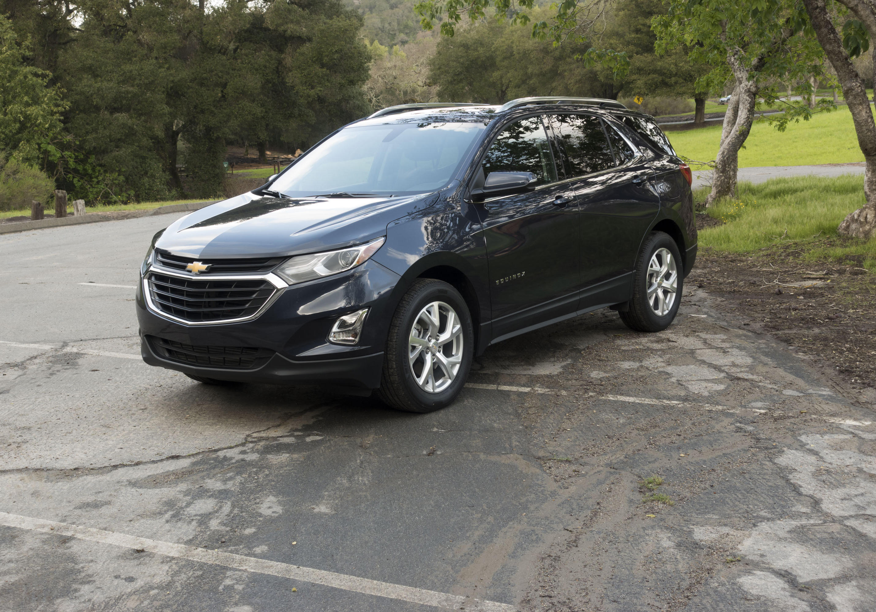 2021 Chevrolet Equinox Reviews News Pictures And Video Roadshow