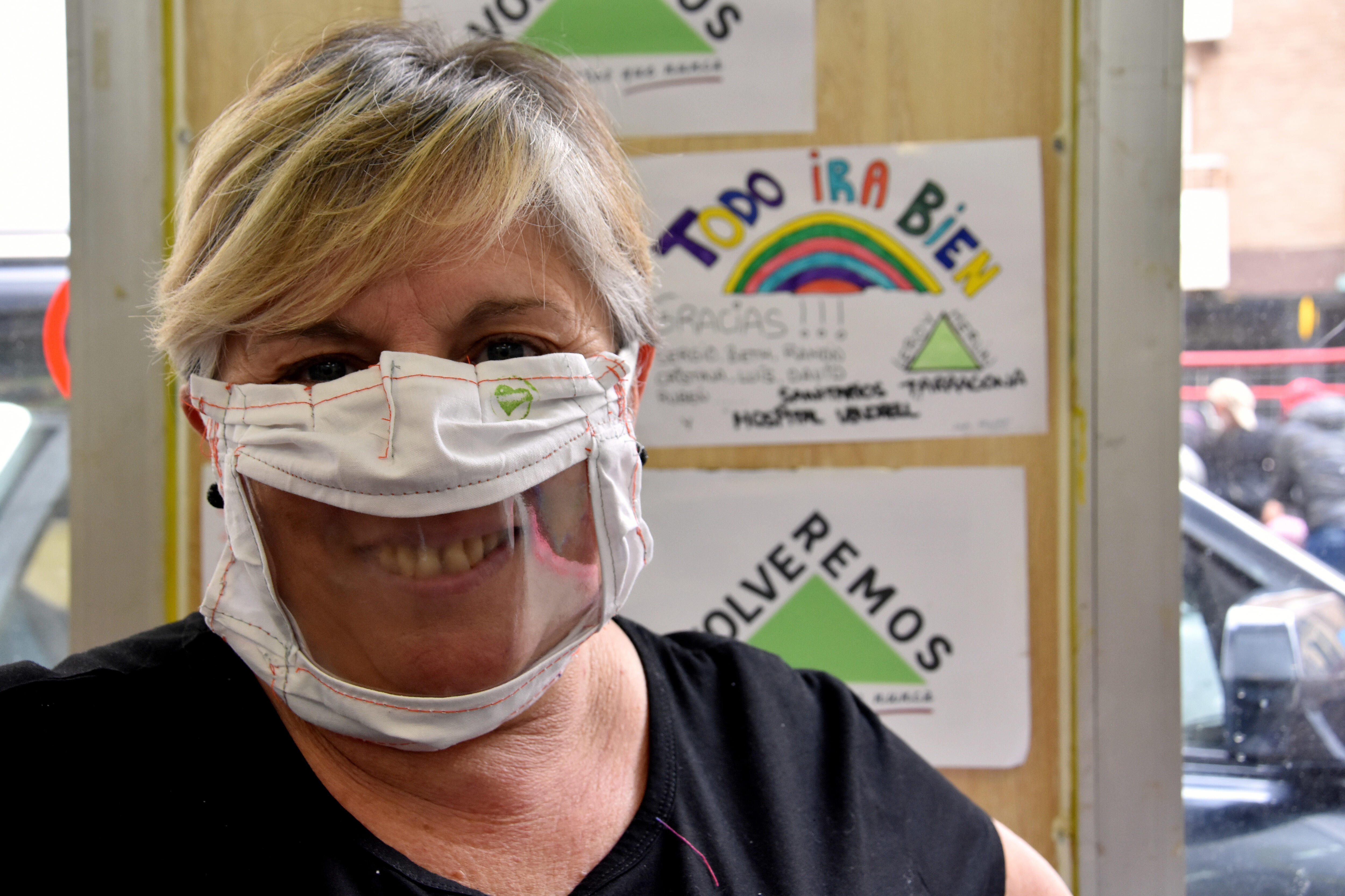 Special masks for the hearing-impaired