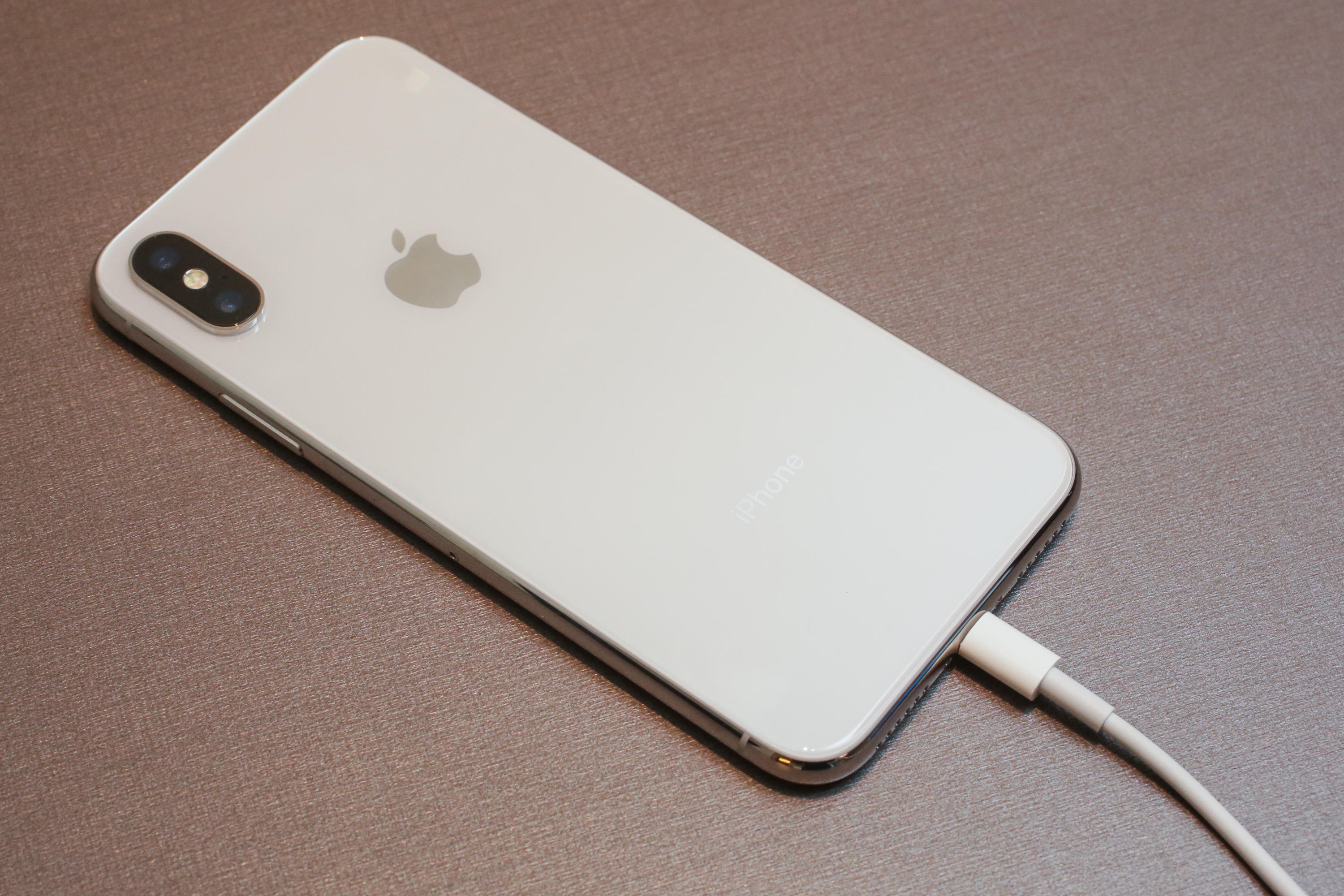 iphone-x-charging-03