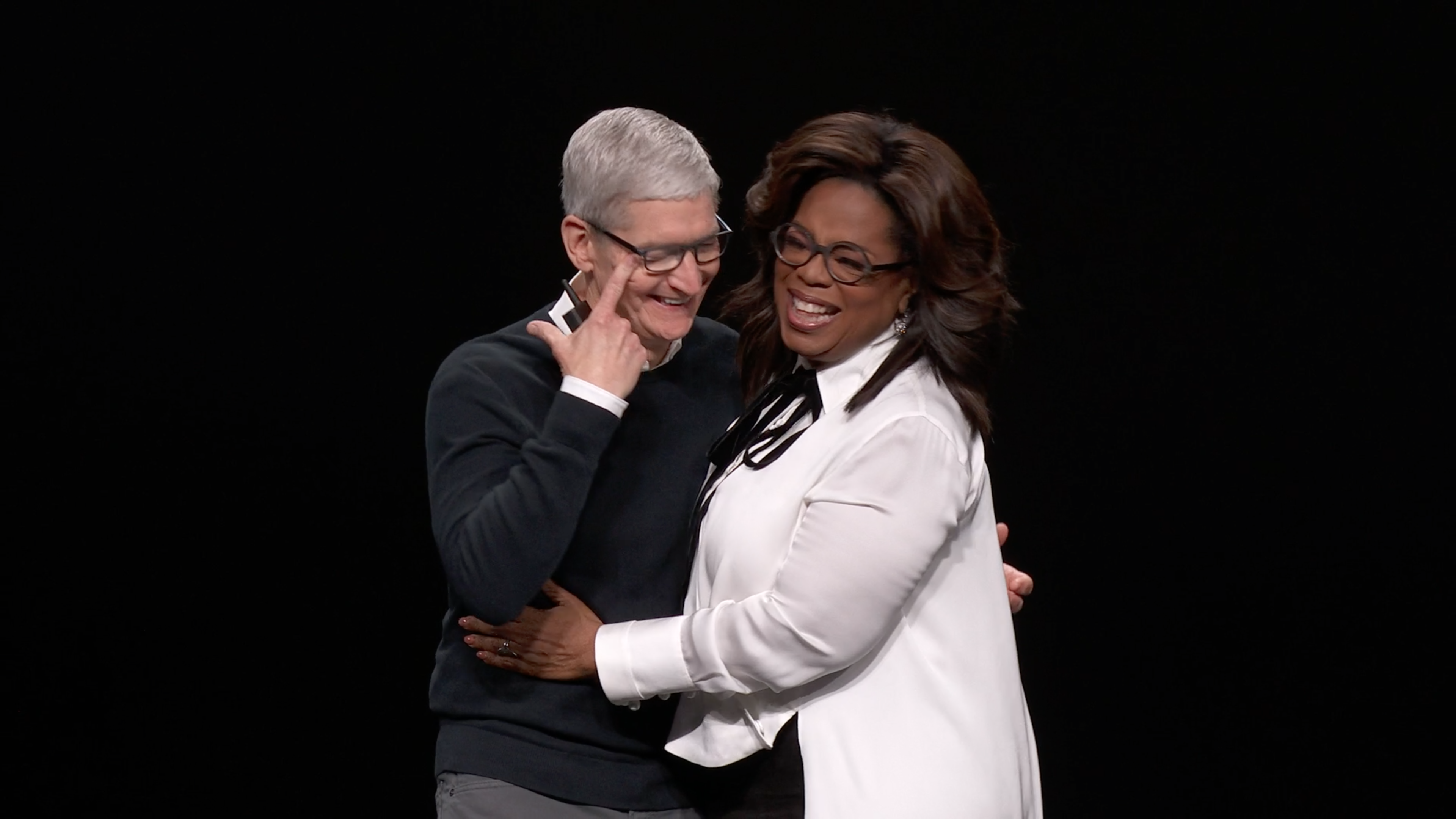 18-tim-cook-and-oprah-winfrey-for-apple-tv-plus-at-apple-event